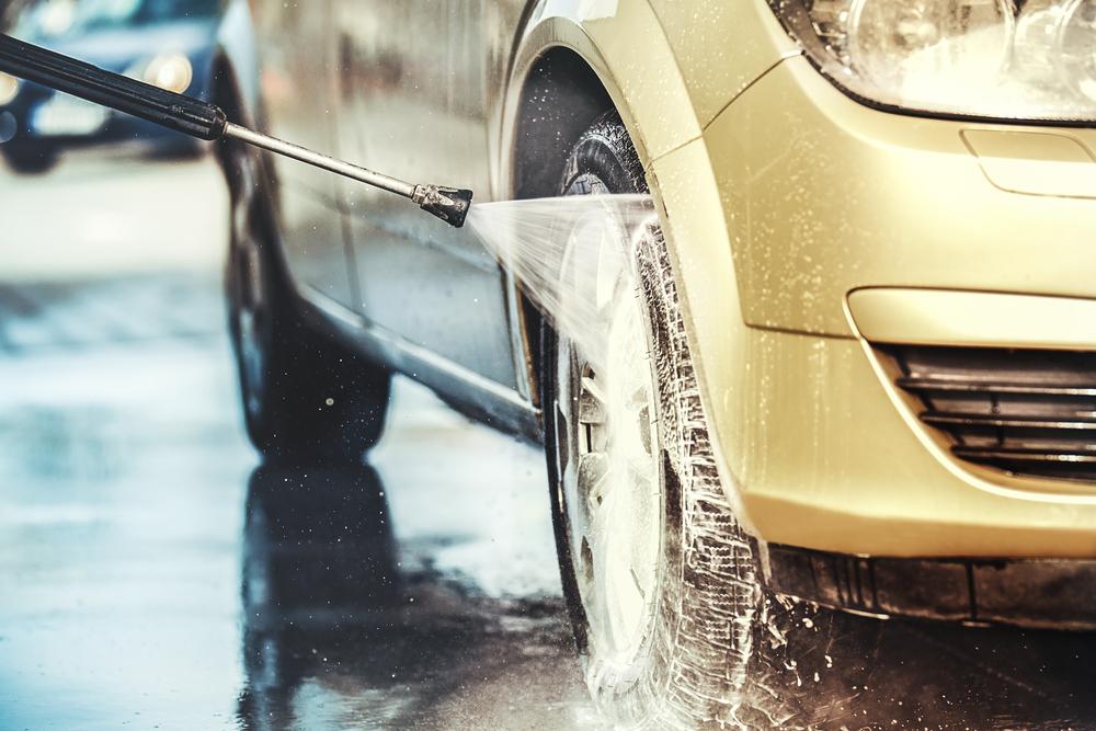 Kā pilna servisa autocentrs var palīdzēt saglabāt automašīnu labā stāvoklī