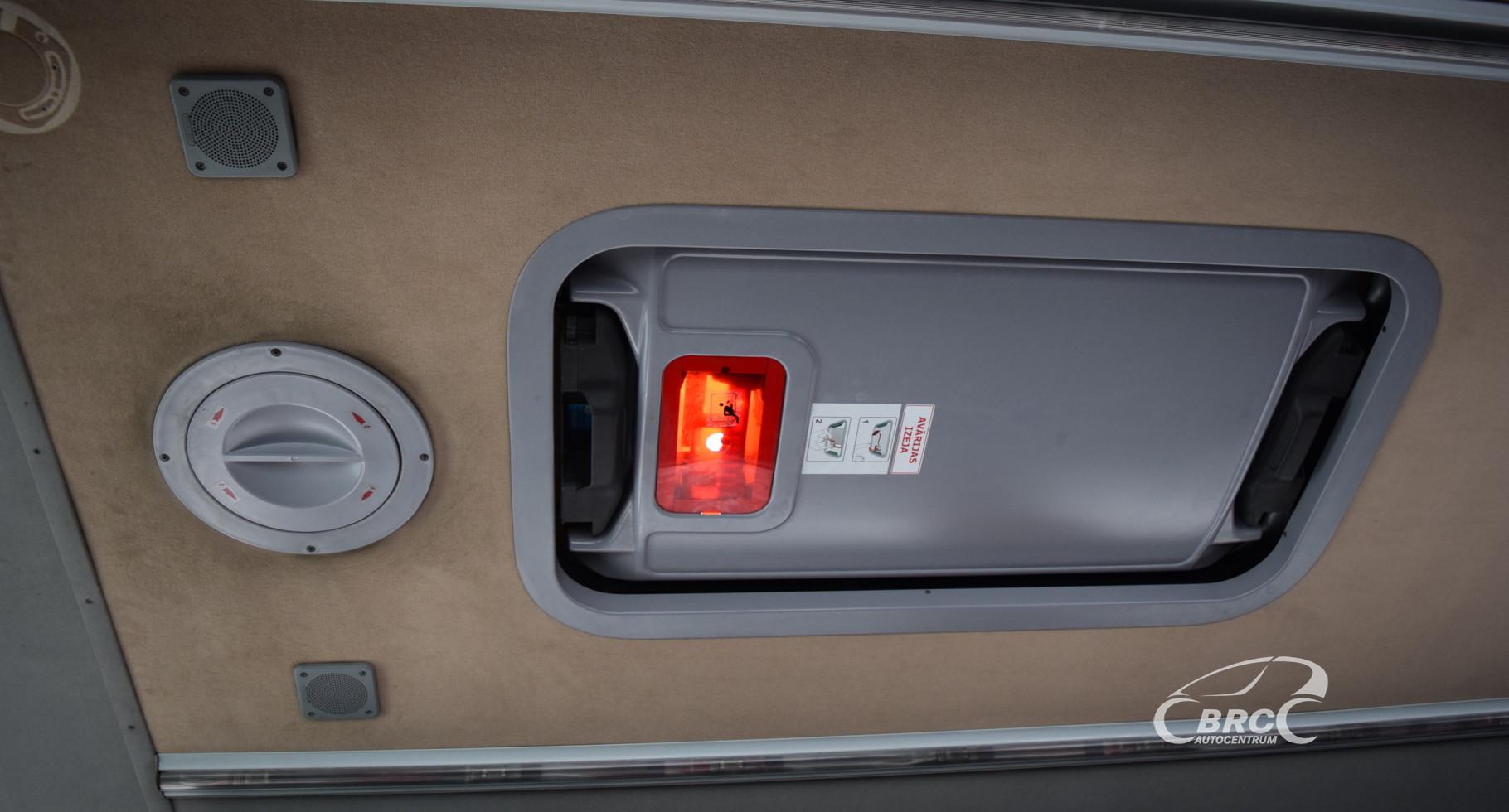 Mercedes-Benz Medio 818