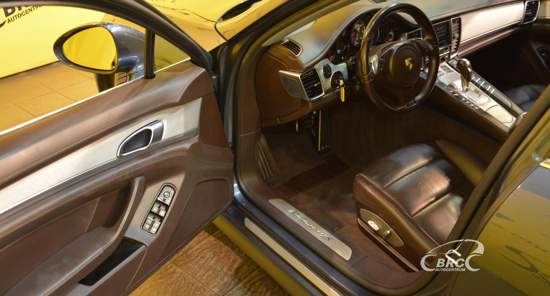 Porsche Panamera 4S Automatas