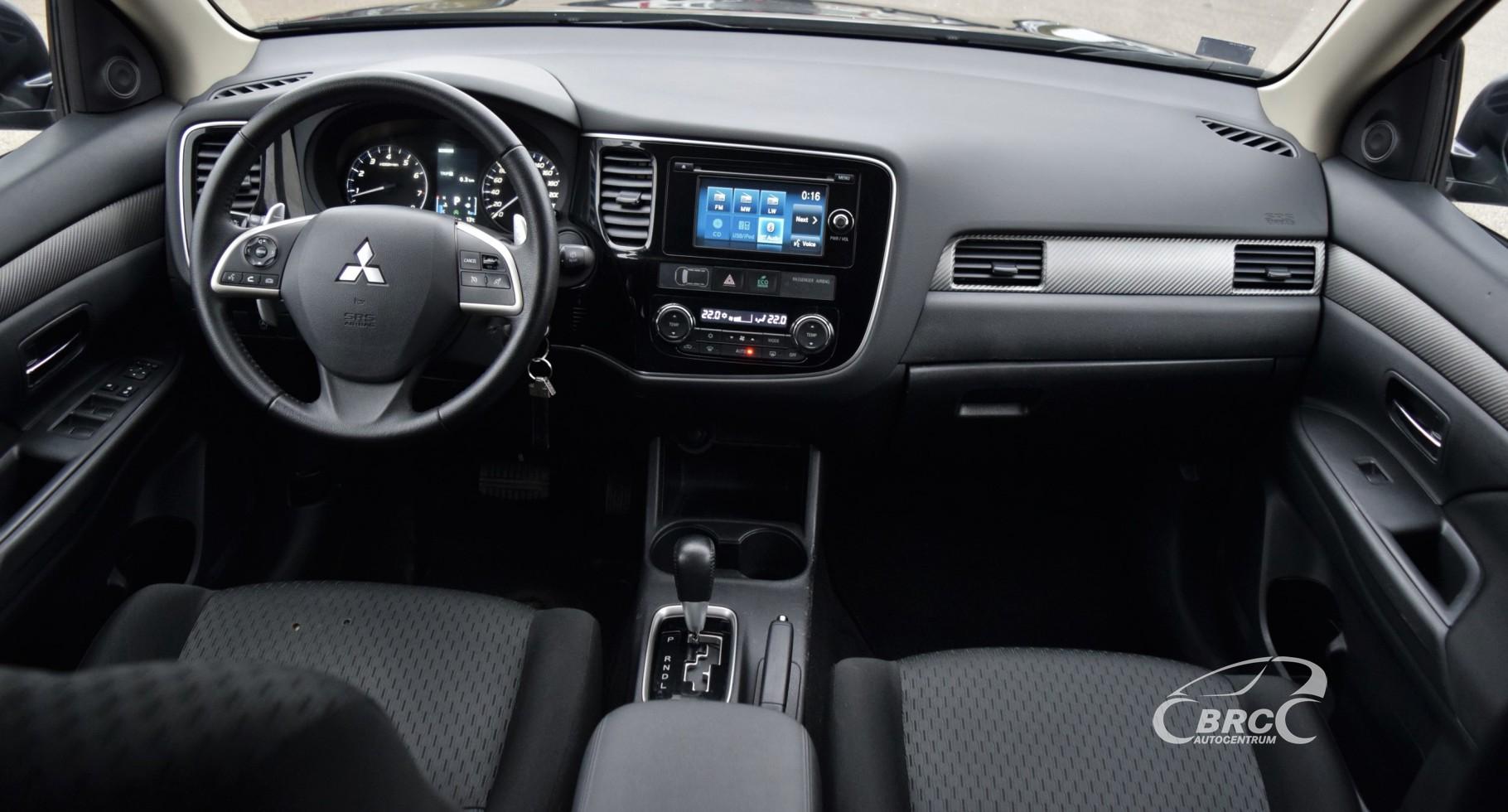 Mitsubishi Outlander AWD AT