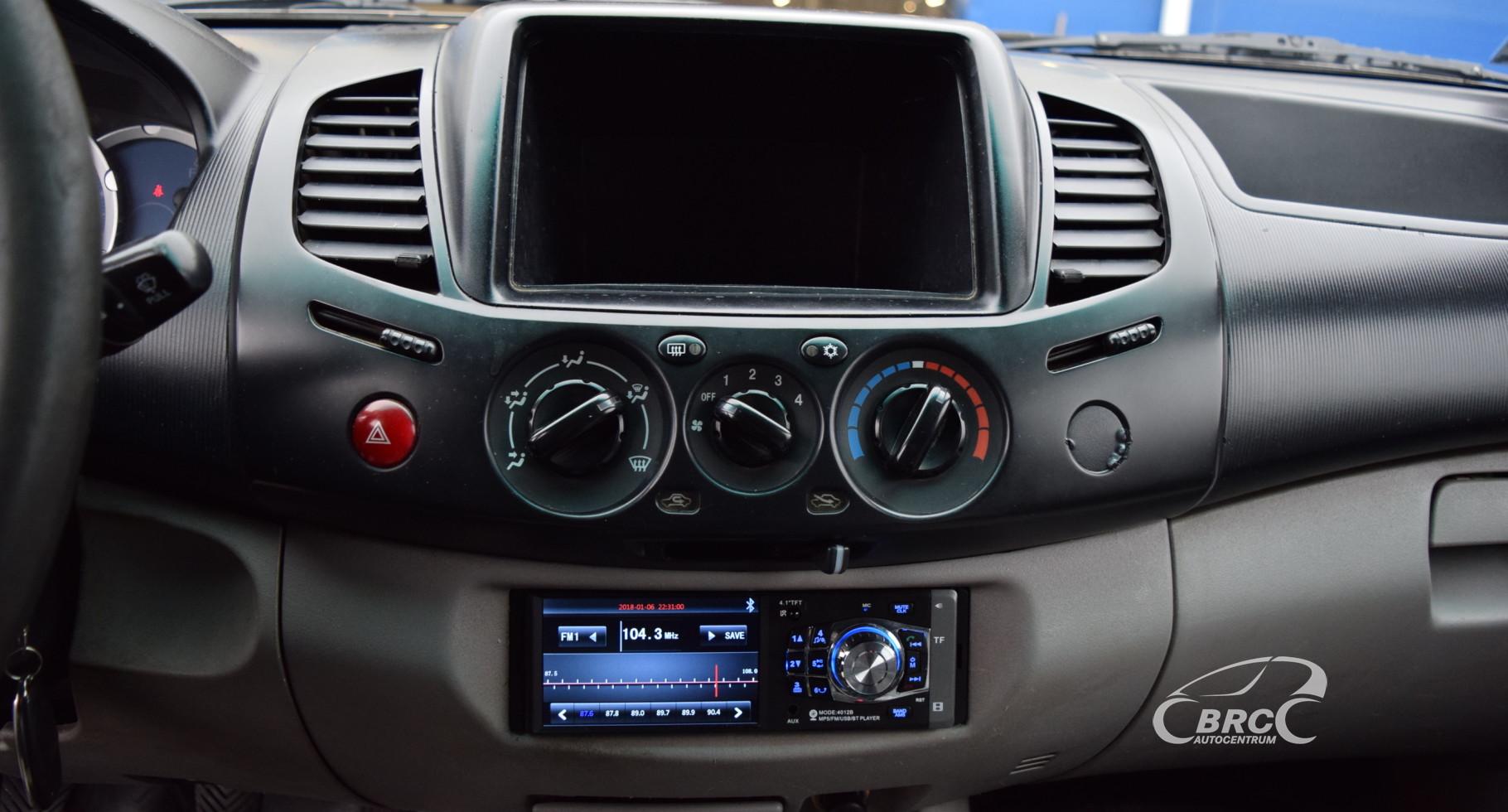 Mitsubishi L200 M/T