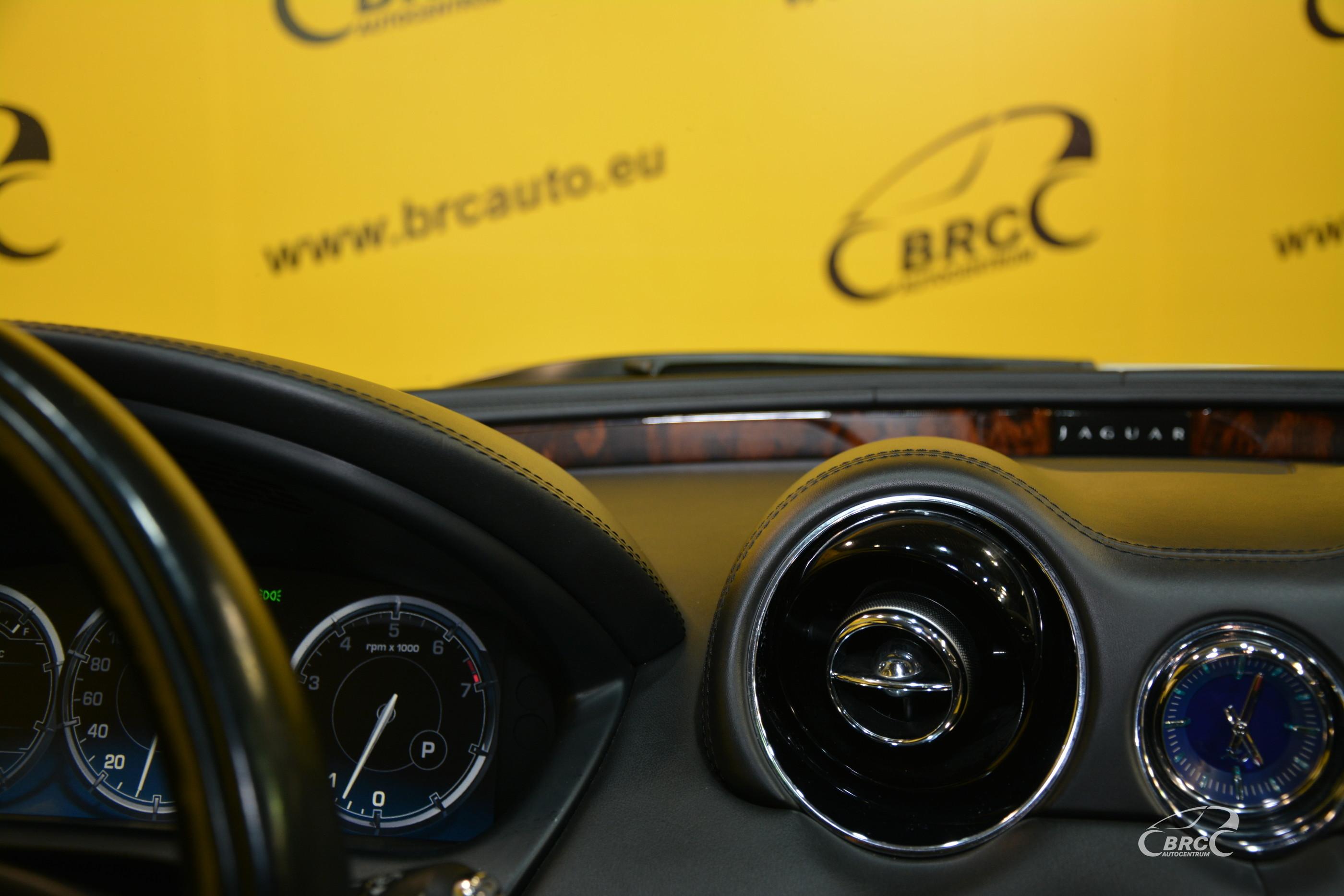 Jaguar XJ Automatas