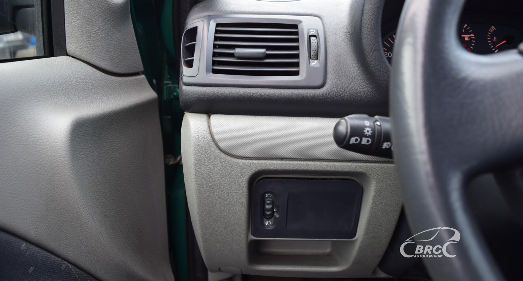 Renault Clio M/T