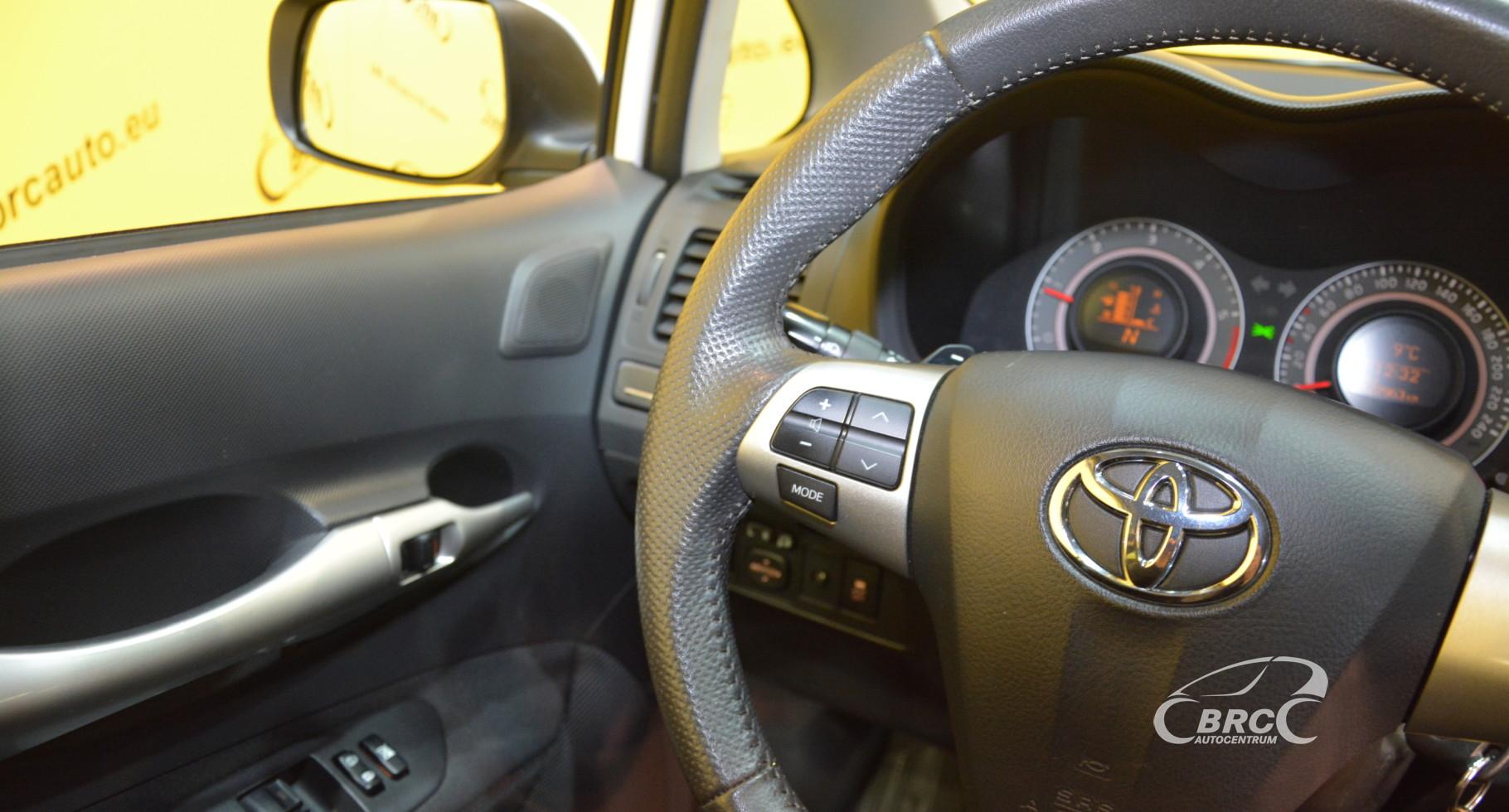 Toyota Auris 1.4 D-4D Automatas