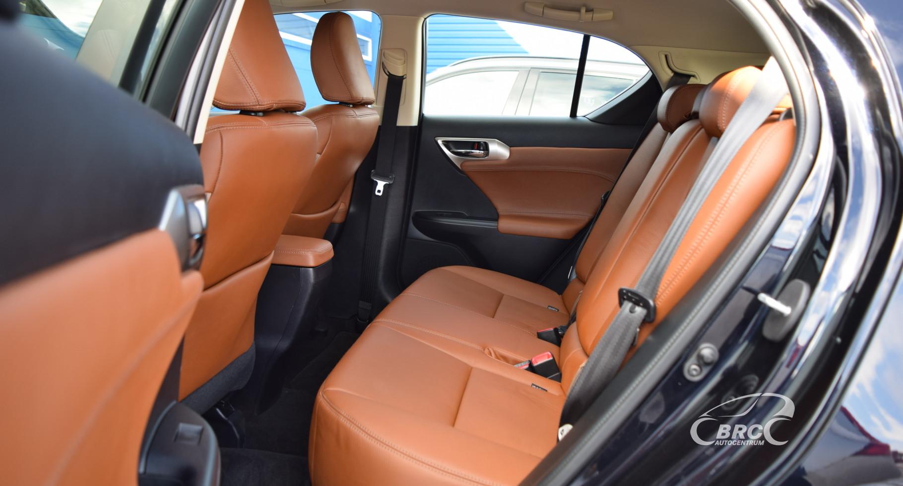 Lexus CT 200H A/T