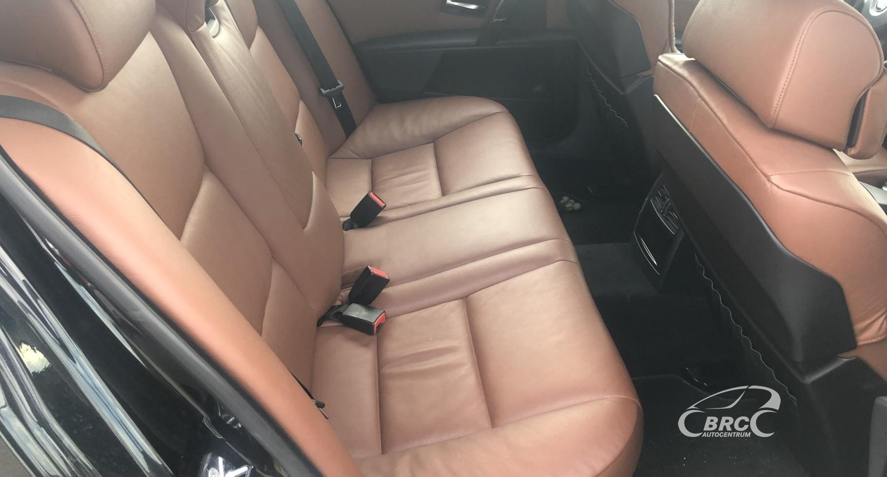 BMW 545 i M-Sportpaket Automatas