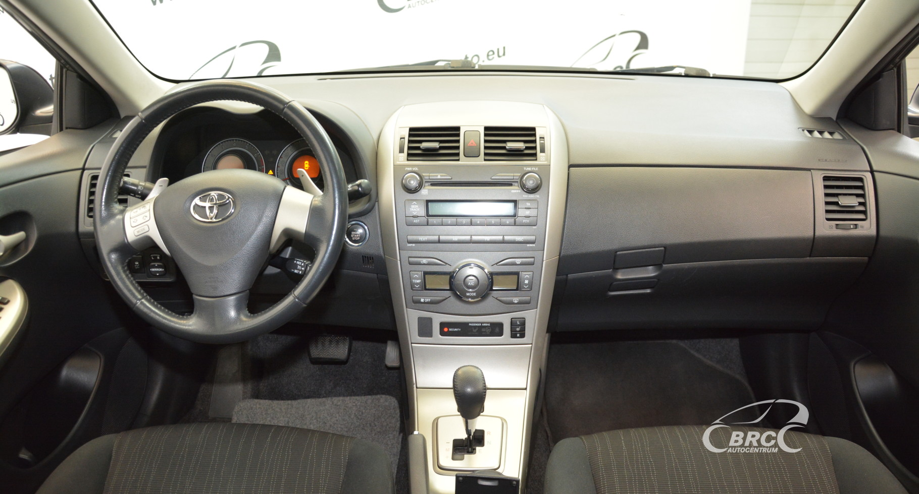 Toyota Corolla 1.6 VVT-i Linea Sol Plus FWD