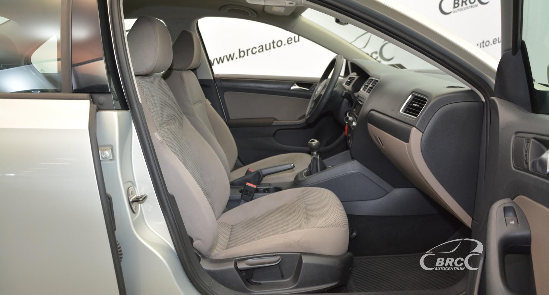 Volkswagen Jetta 2.0 i Base