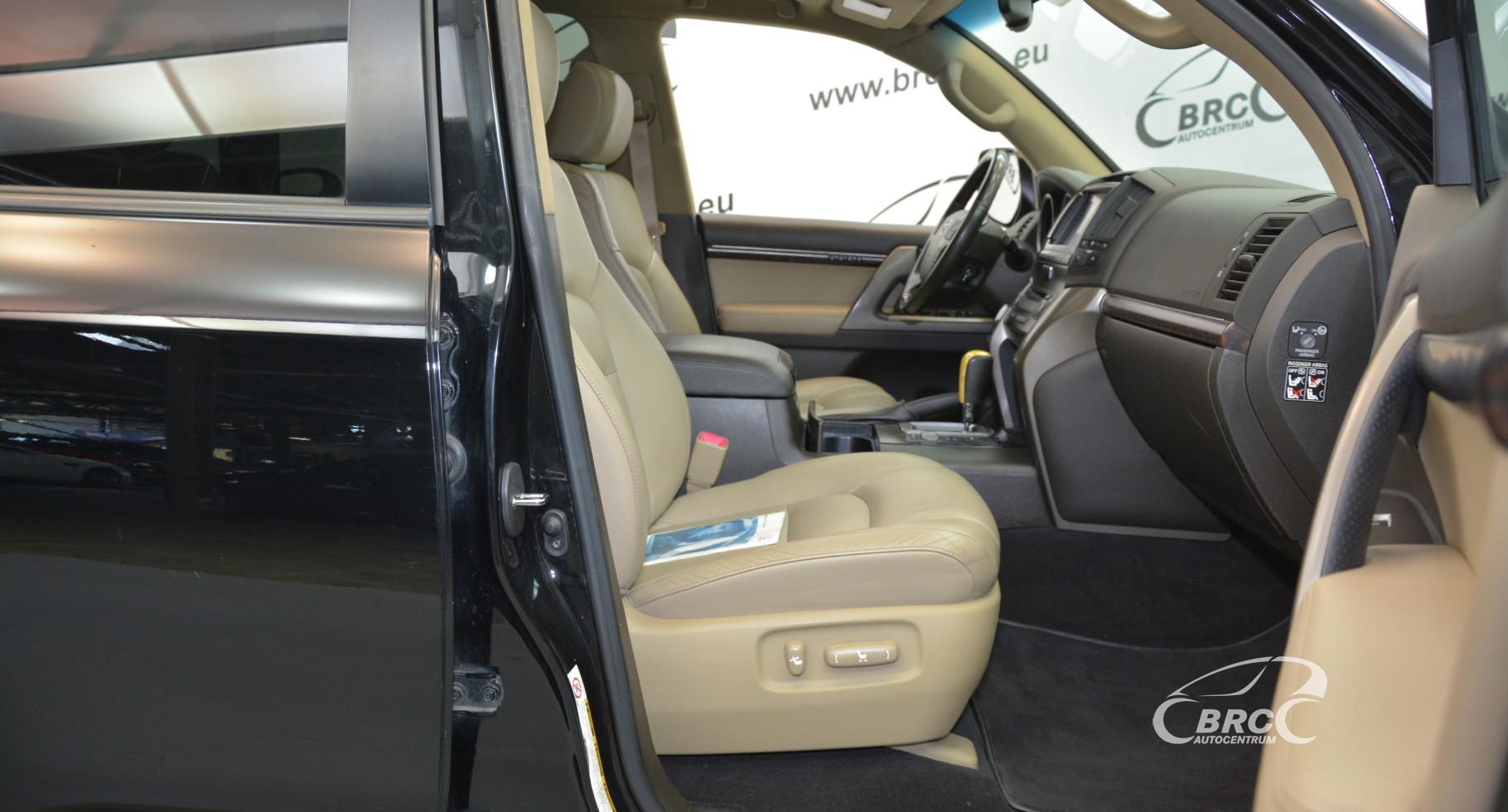 Toyota Land Cruiser 200 V8 Automatas