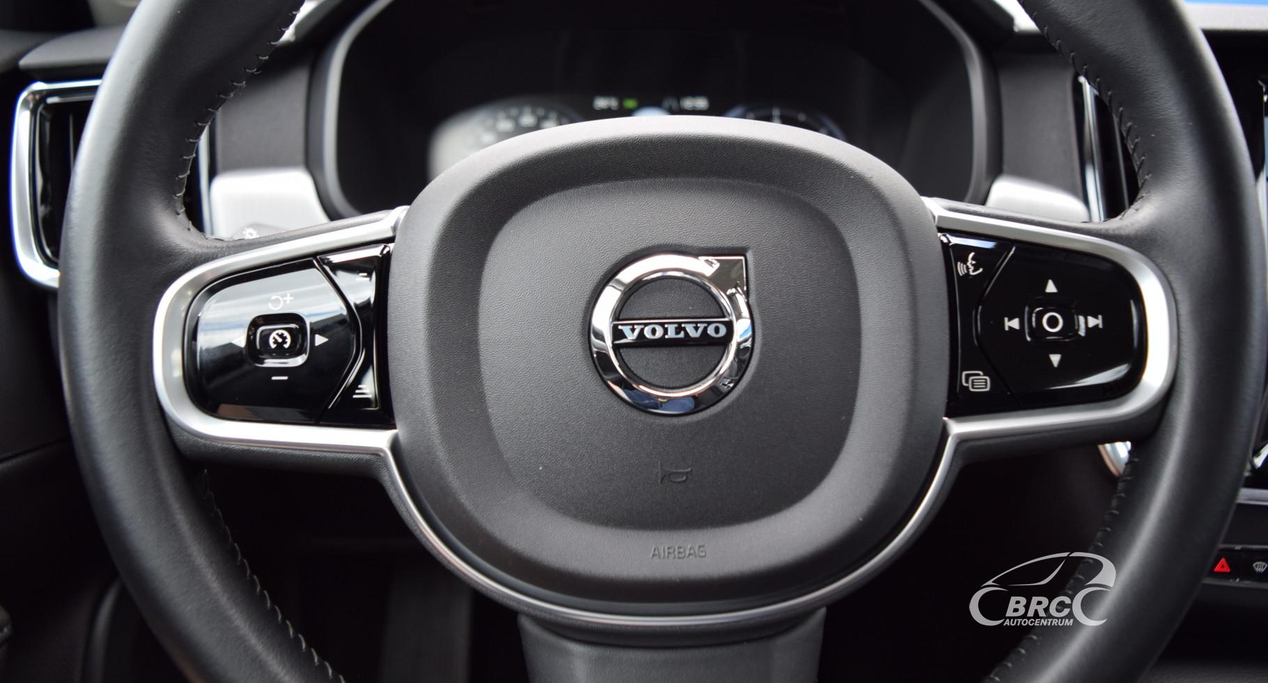 Volvo V90 D4 Momentum Intelisafe