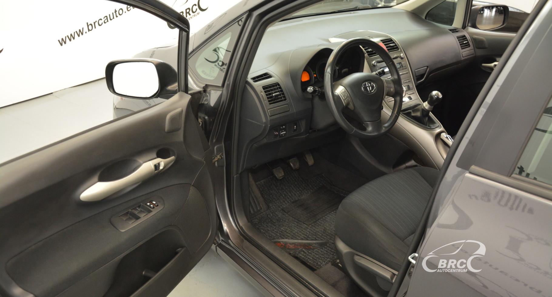 Toyota Auris 1.6 VVT-i LineSol