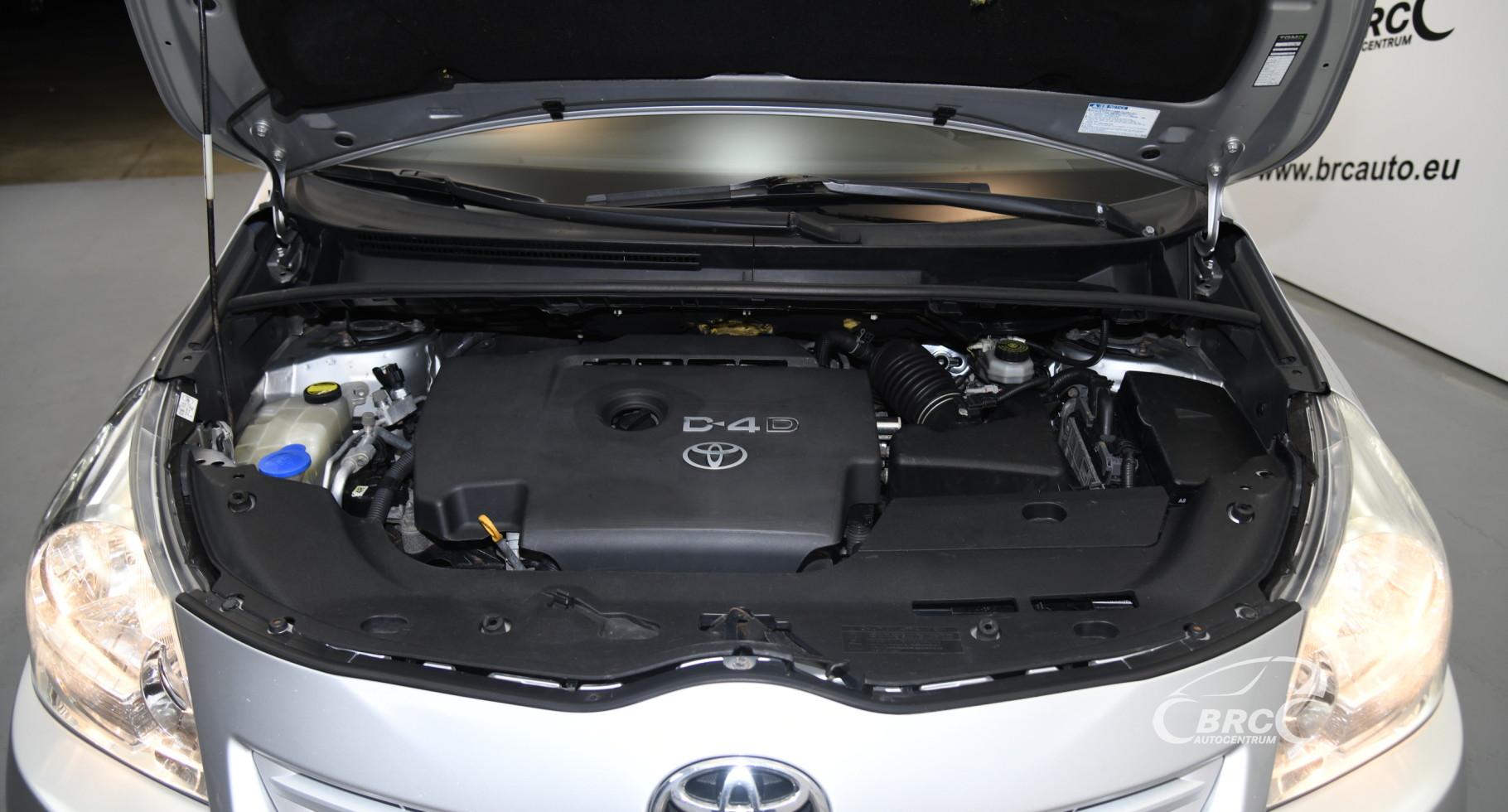 Toyota Verso 2.0 D-4D Linea Sol
