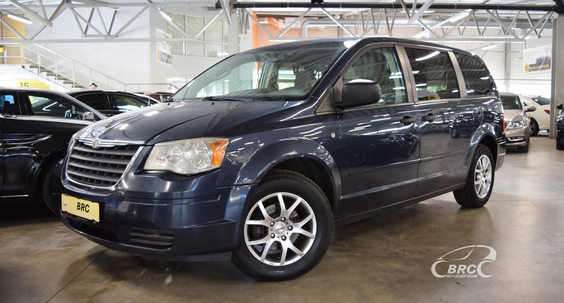 Chrysler Town Country LX 7 seats