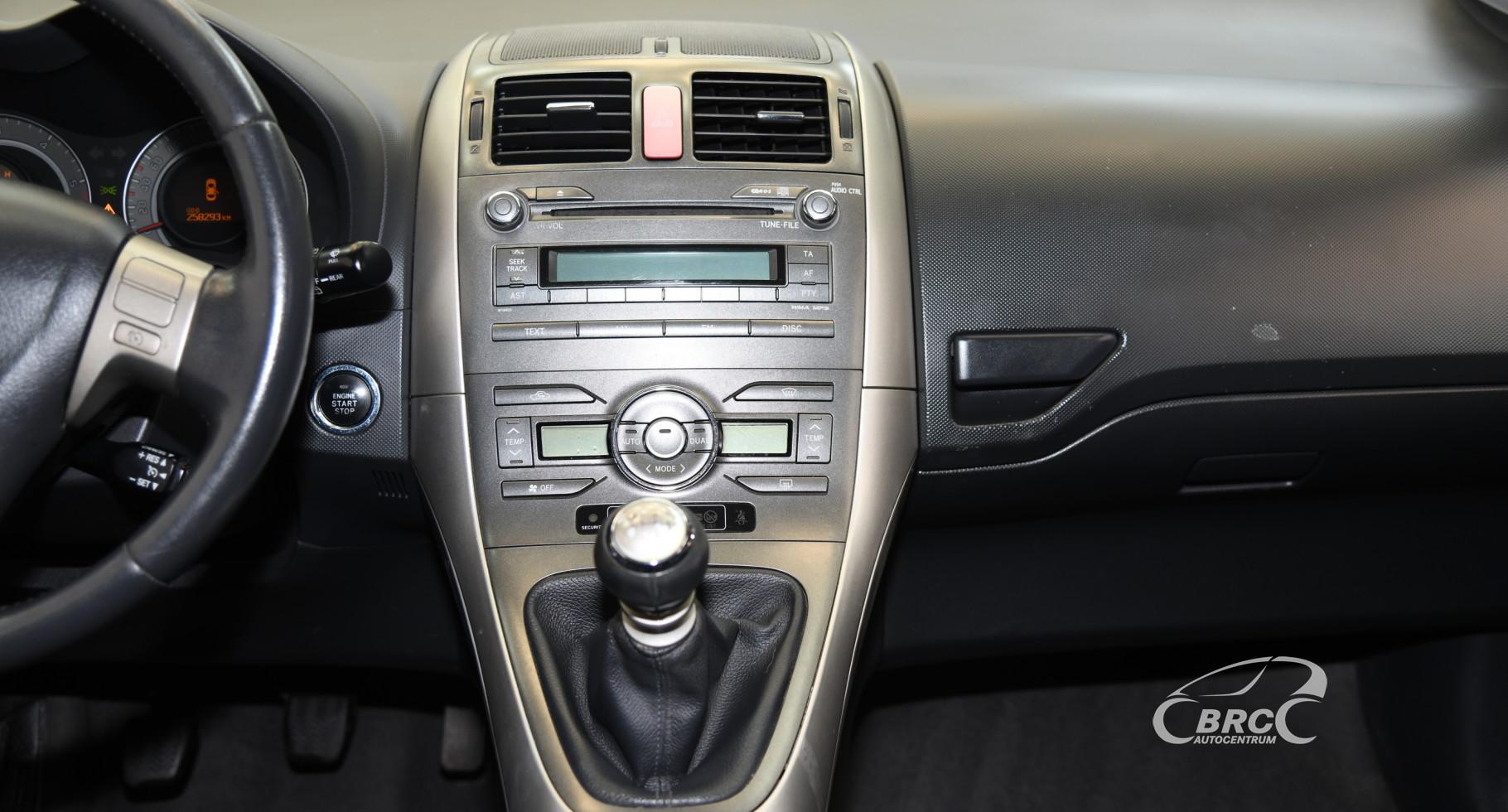 Toyota Auris 2.2 D-4D Linea Sol