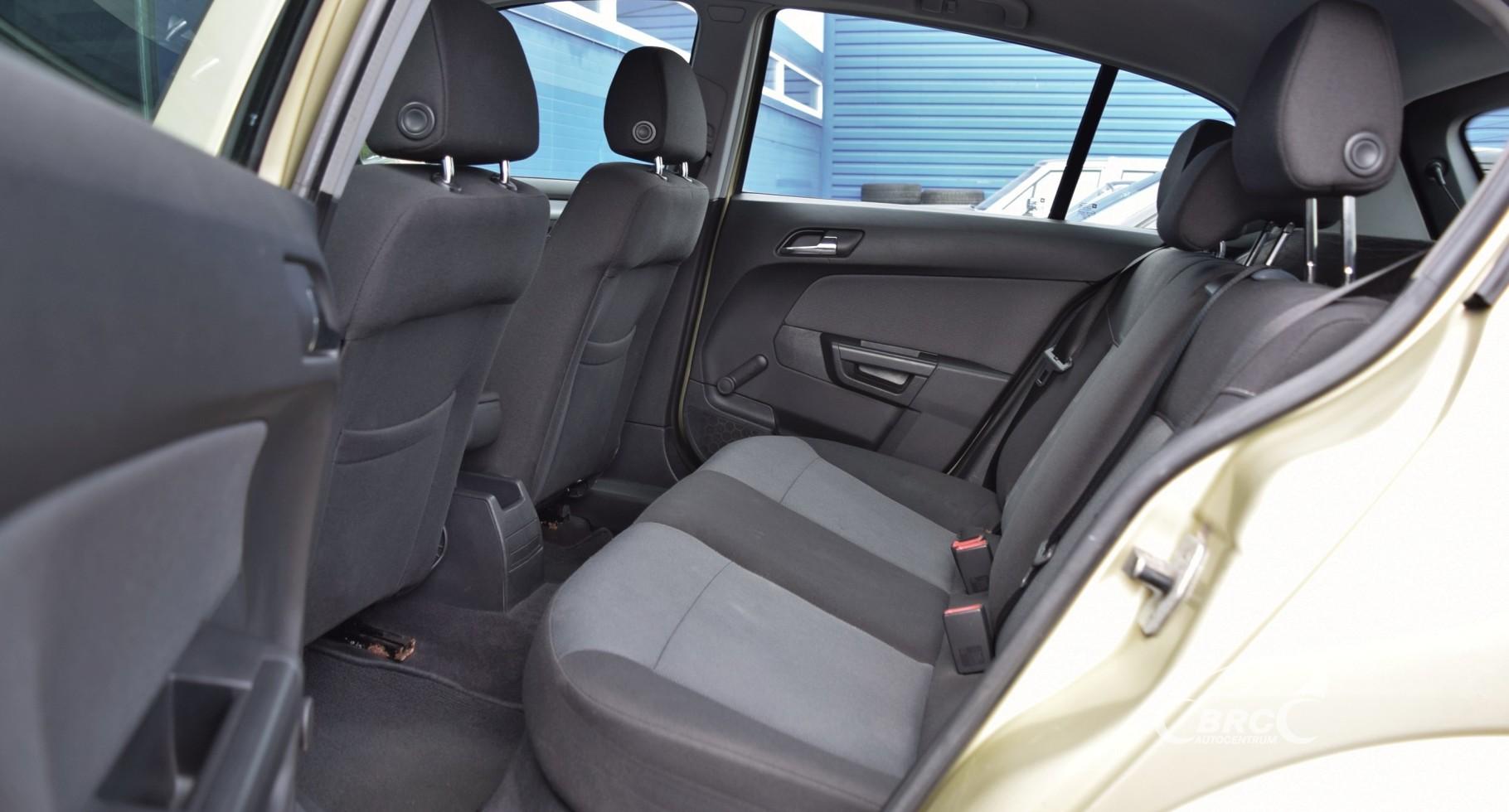 Opel Astra M/T