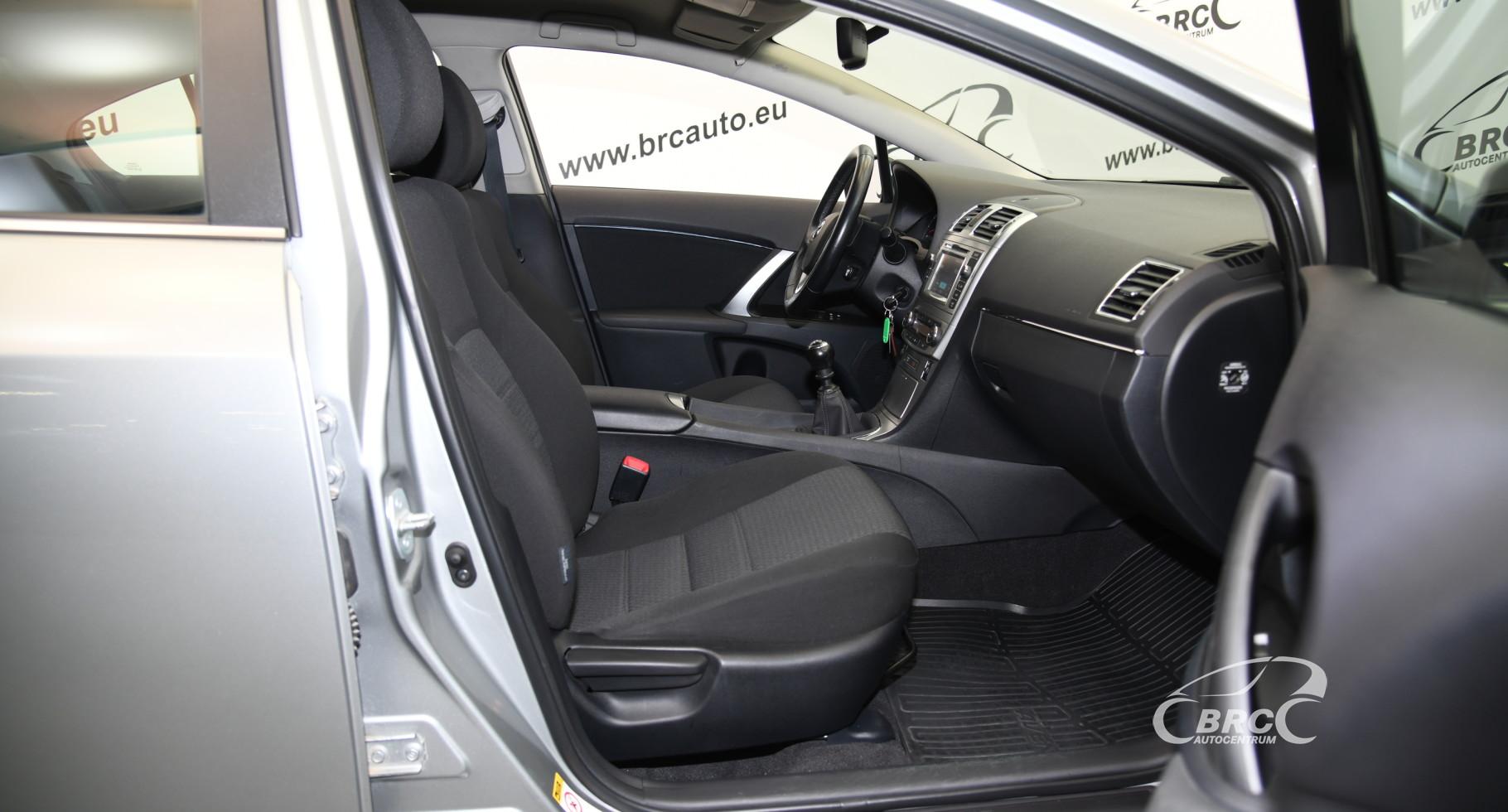 Toyota Avensis 1.8 VVT-i Linea Sol