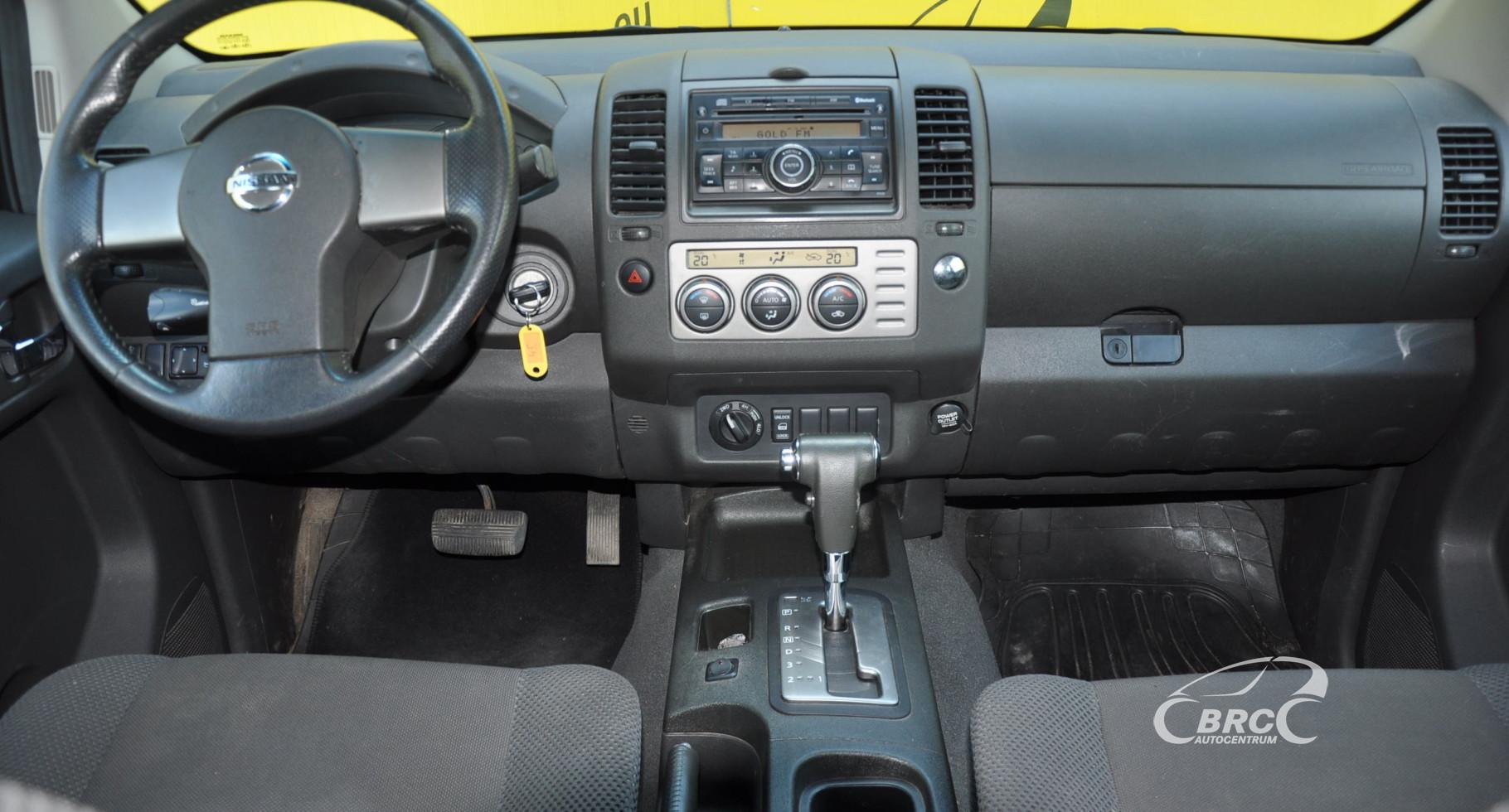 Nissan Navara 2.5 dCi Double Cab 4WD Automatas