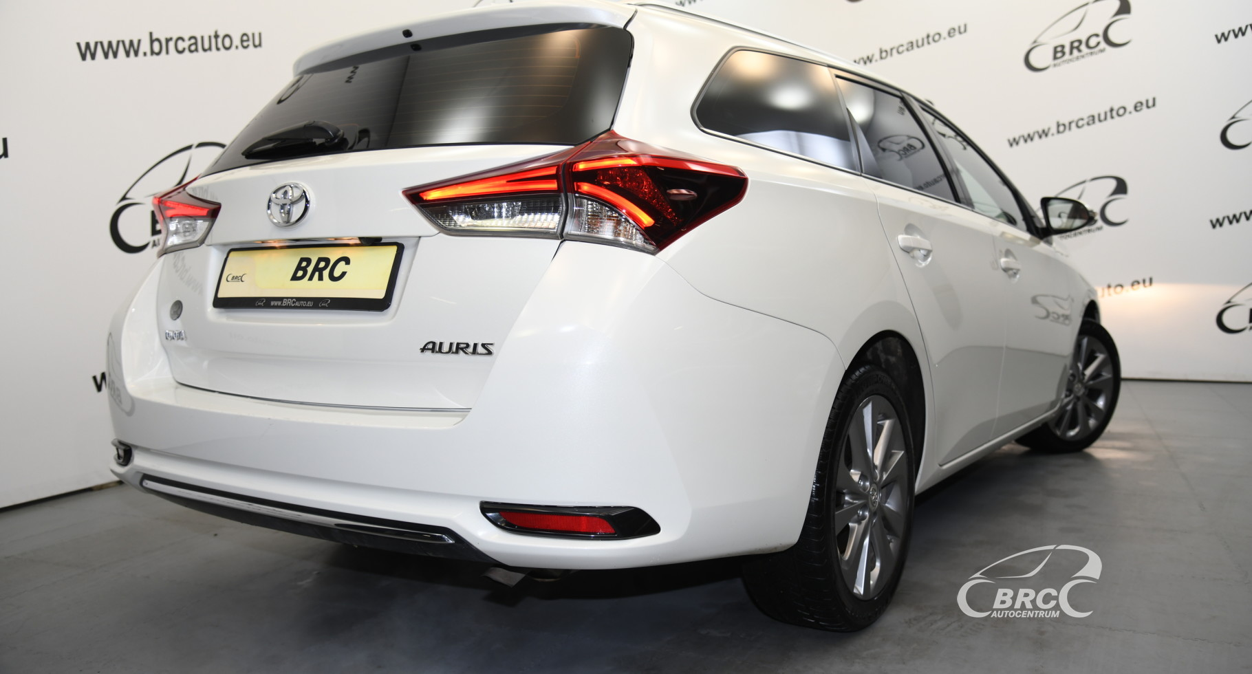 Toyota Auris 1.6i Touring Sports Automatas