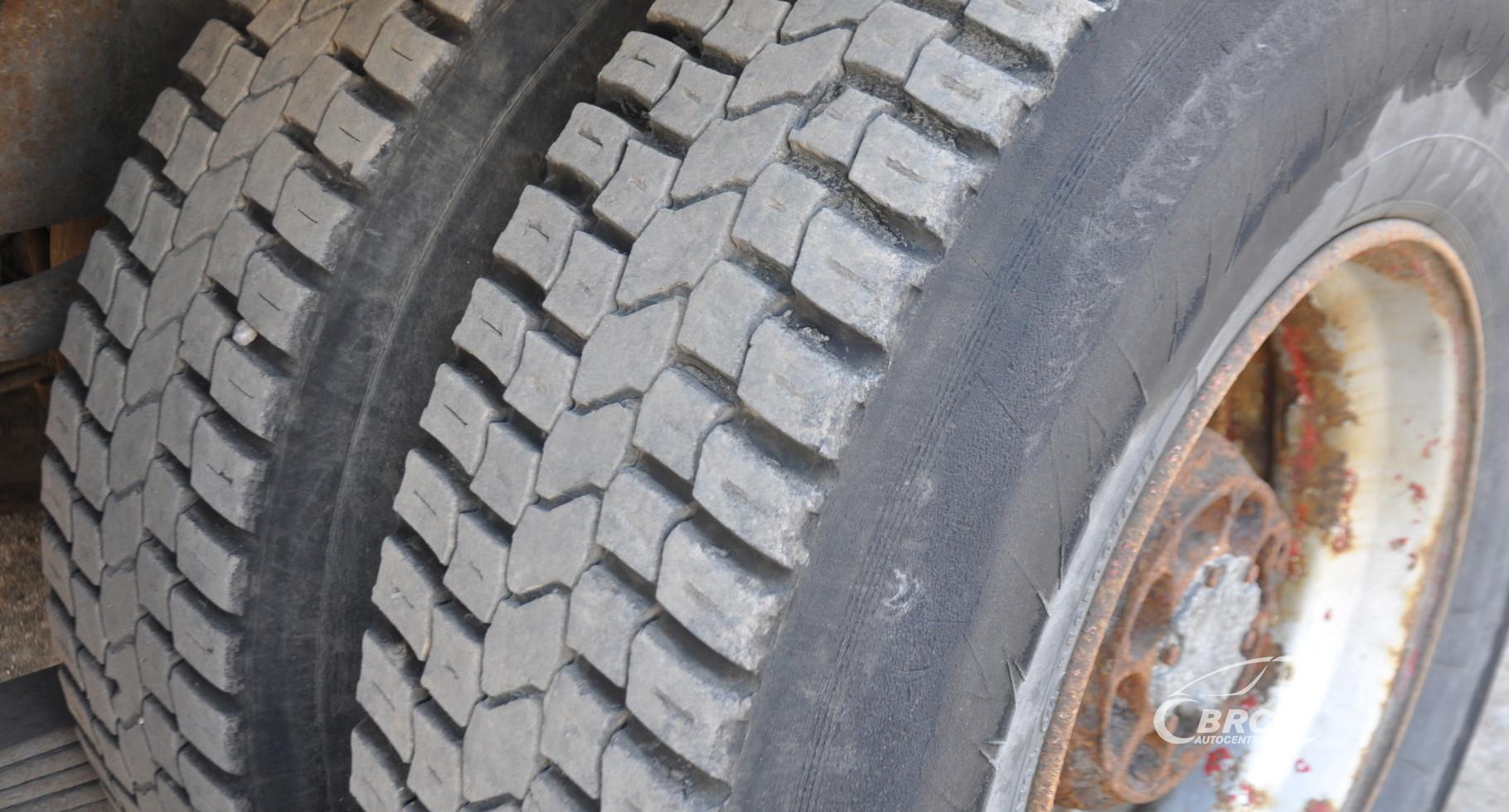 Volvo FH16 LOGLIFT RZ
