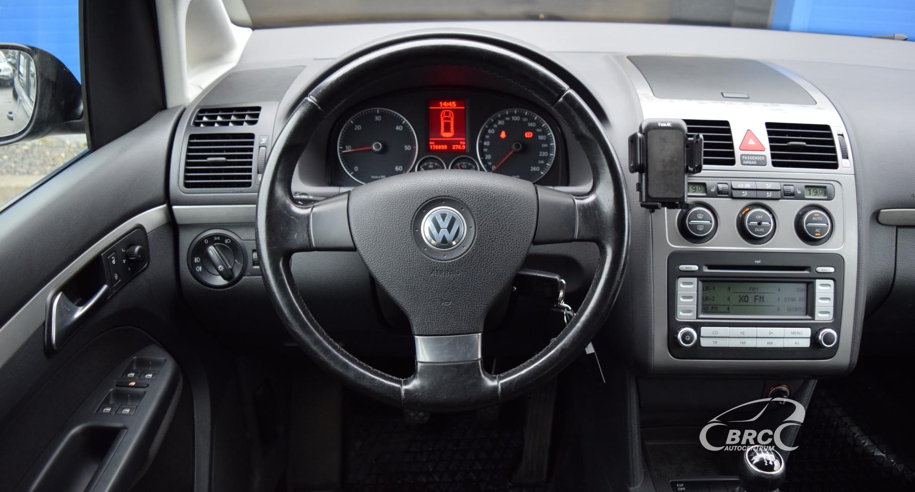 Volkswagen Touran Highline TDi