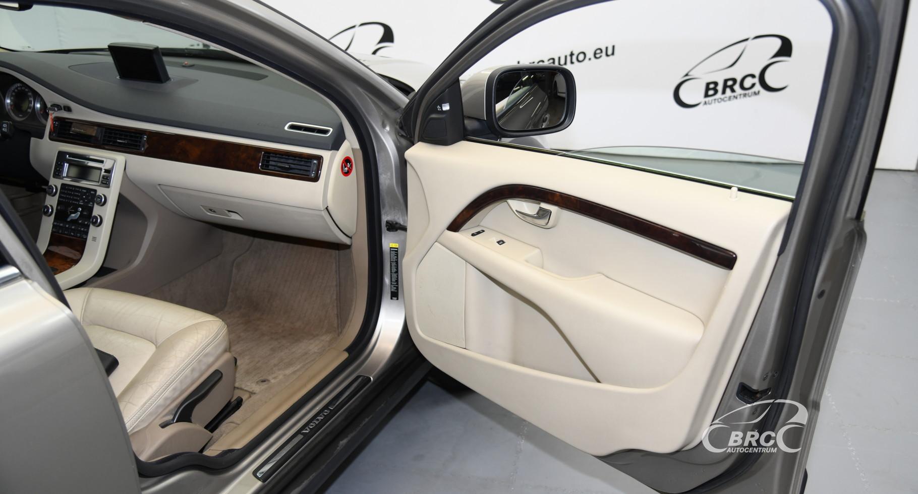 Volvo XC 70 2.4 D5 AWD
