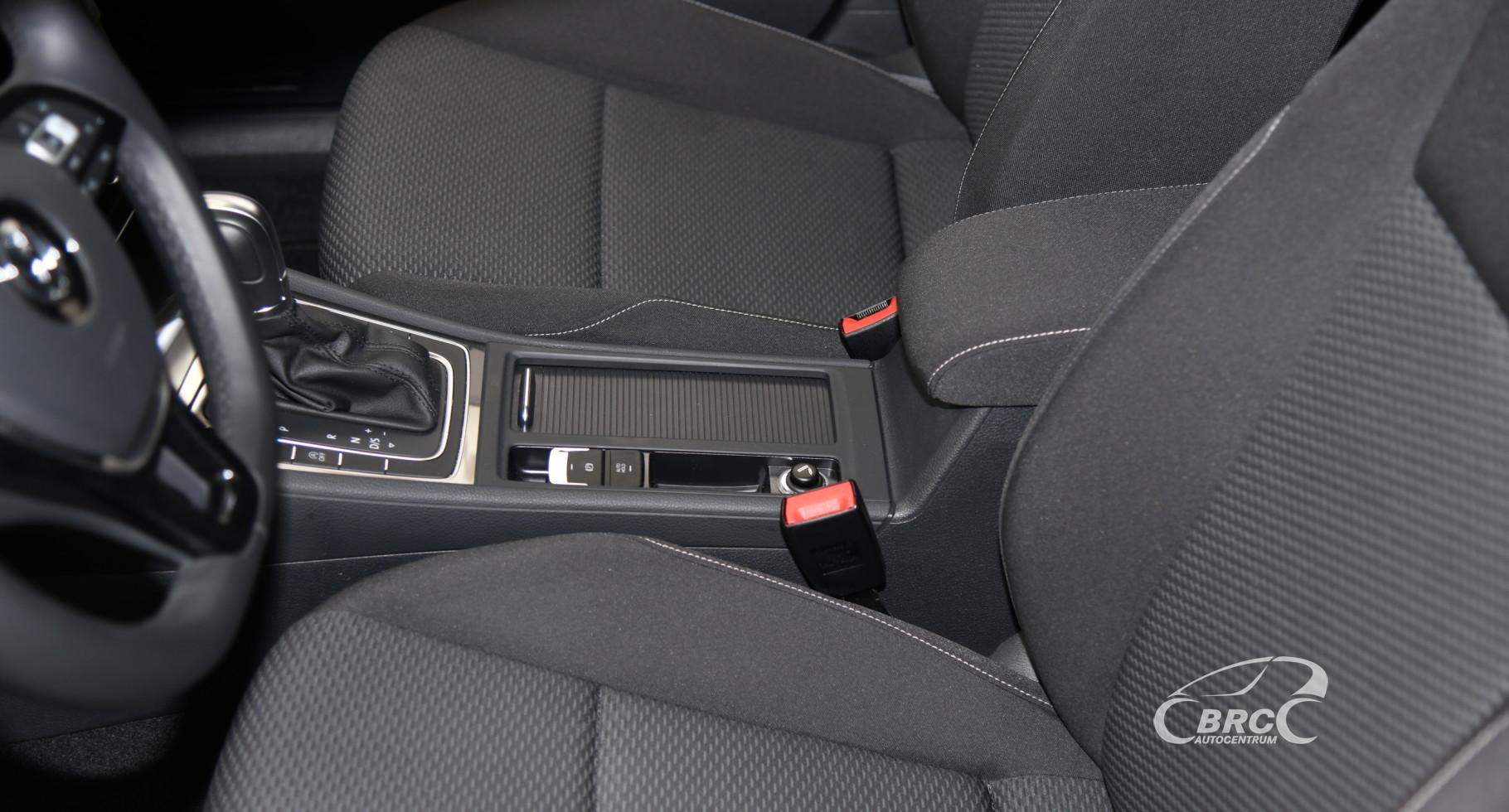 Volkswagen Golf 1.0 TSI 45th Anniversary Automatas