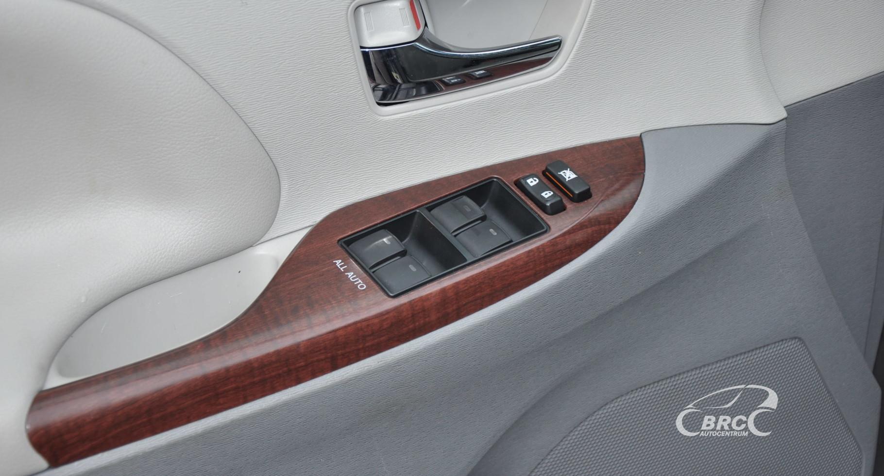 Toyota Sienna XLE 3.5 Automatas