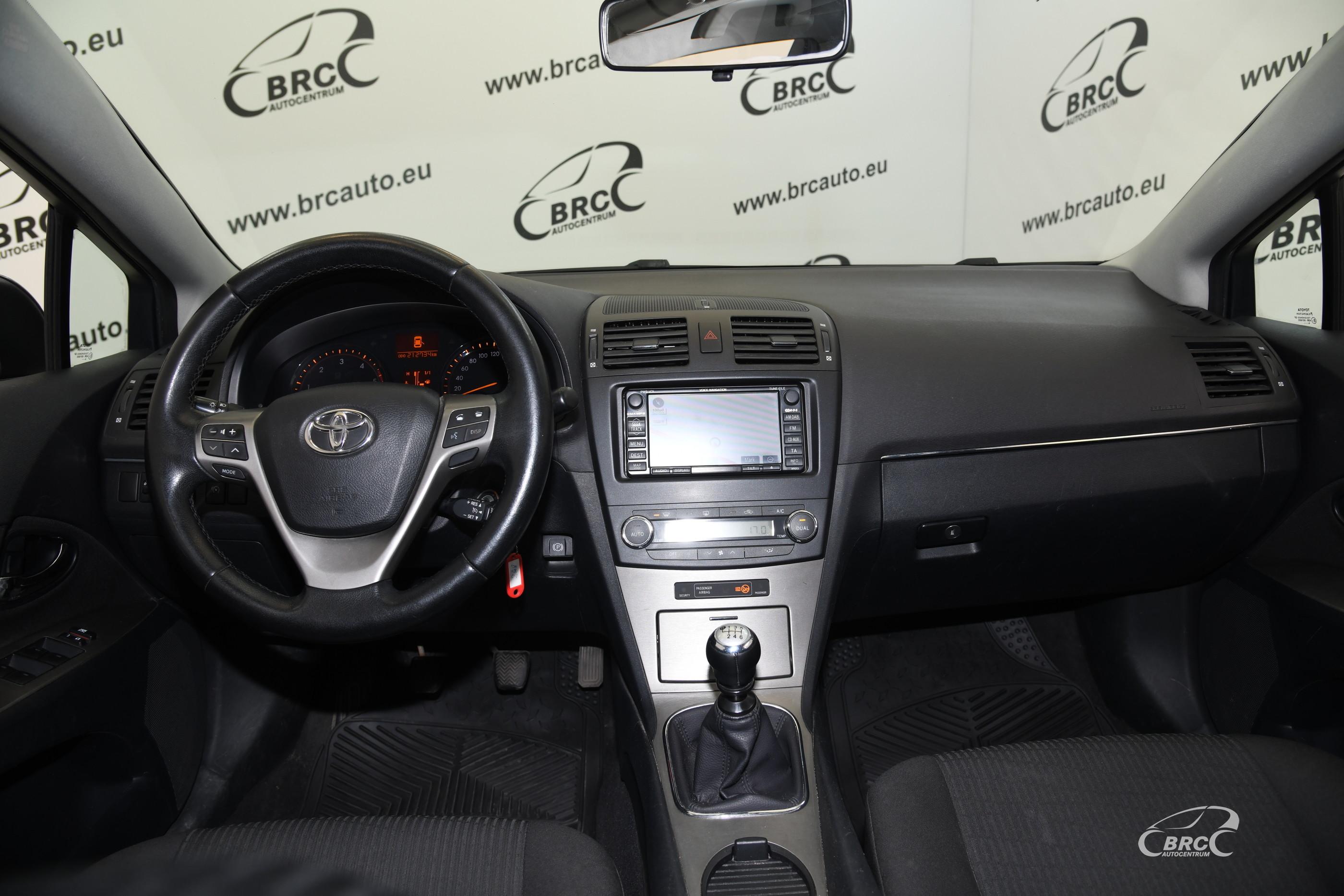 Toyota Avensis 2.2 D-CAT Linea Sol