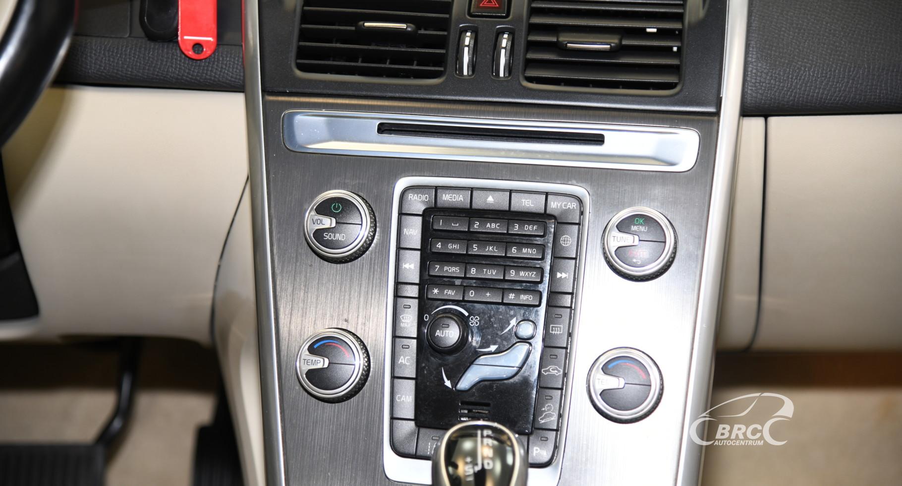 Volvo XC 60 2.4 D5 AWD Summum Automatas