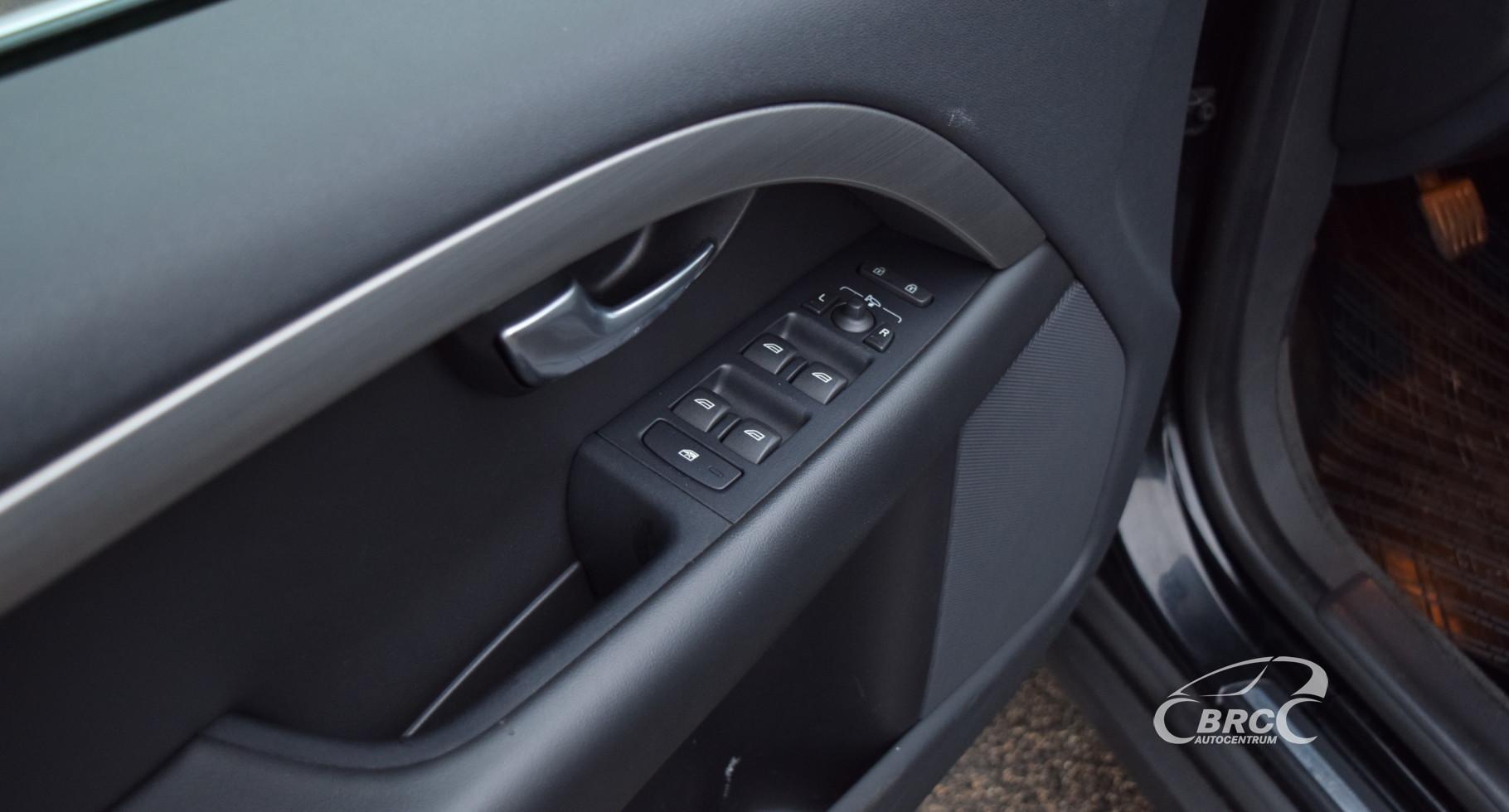 Volvo XC 70 D5 AWD Momentum