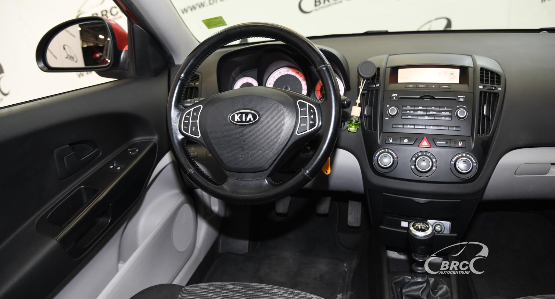 Kia Ceed 1.4i LX Plus