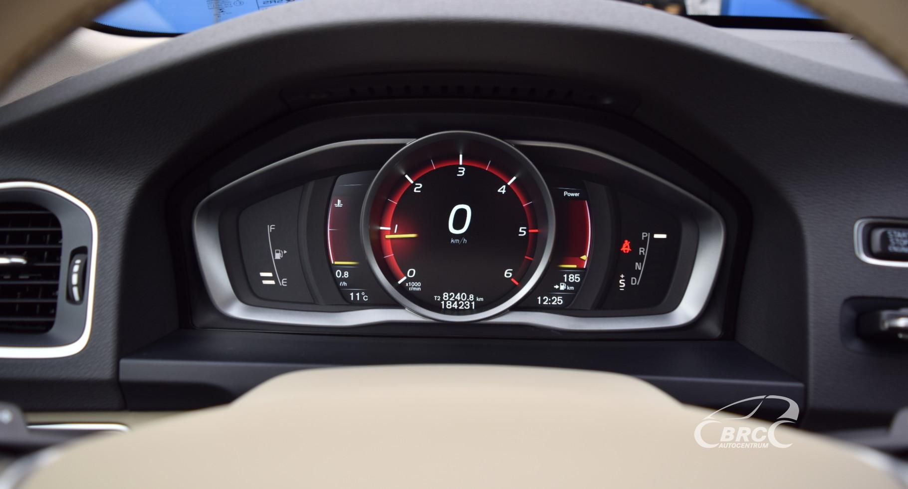 Volvo V60 Momentum A/T