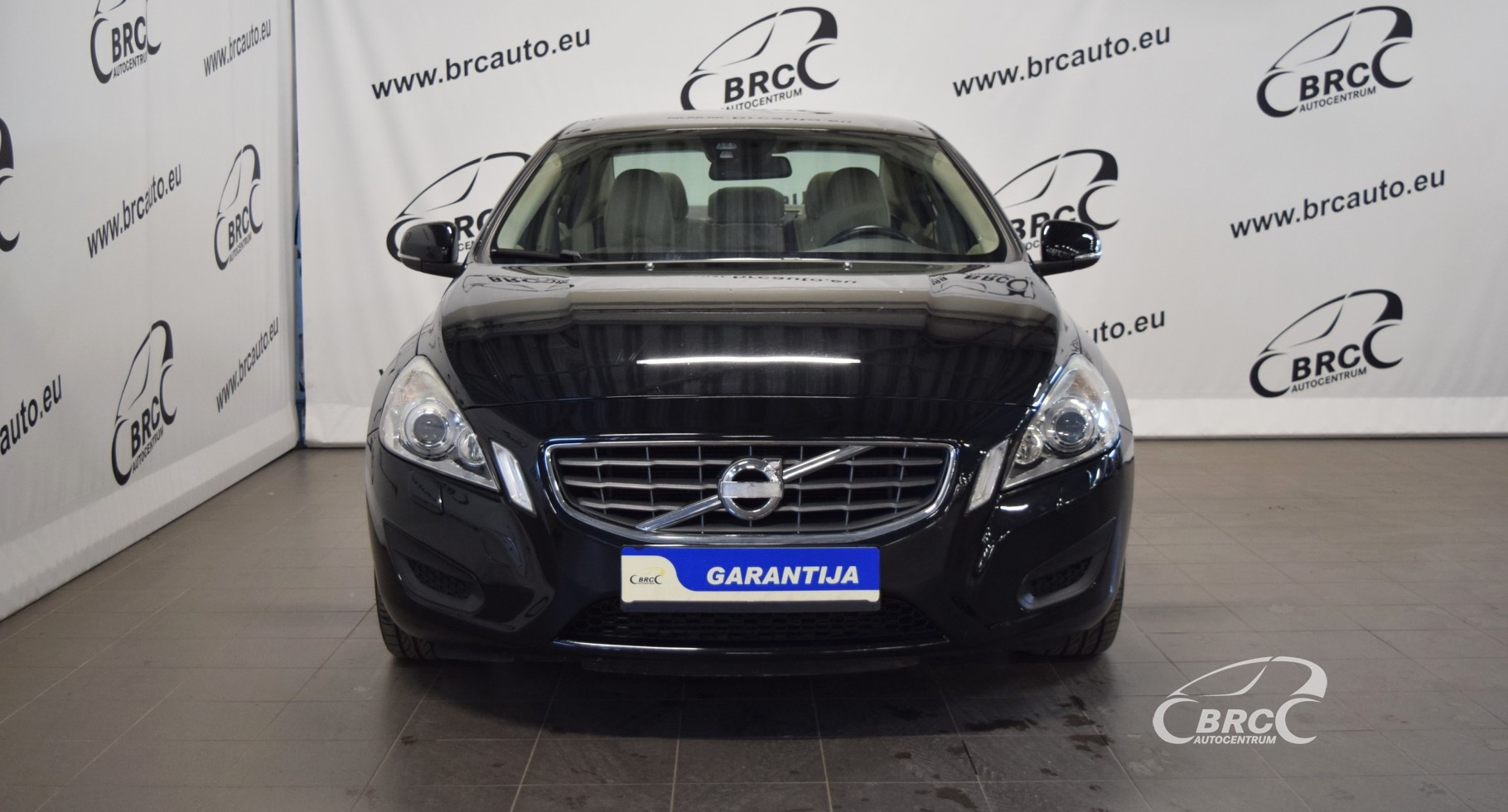 Volvo S60 Plug-In Hybrid D4 AWD Momentum A/T