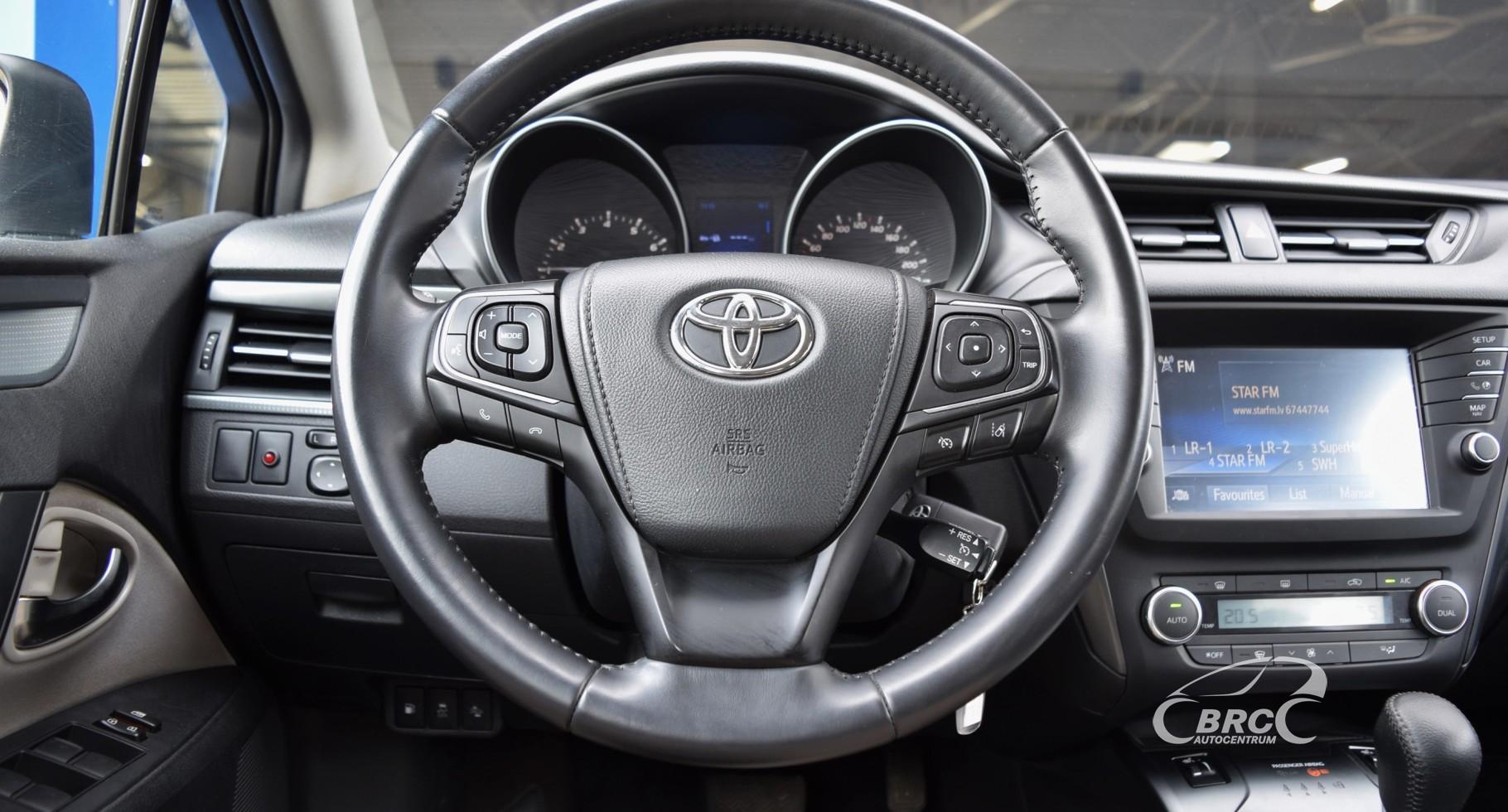 Toyota Avensis Touring Sport