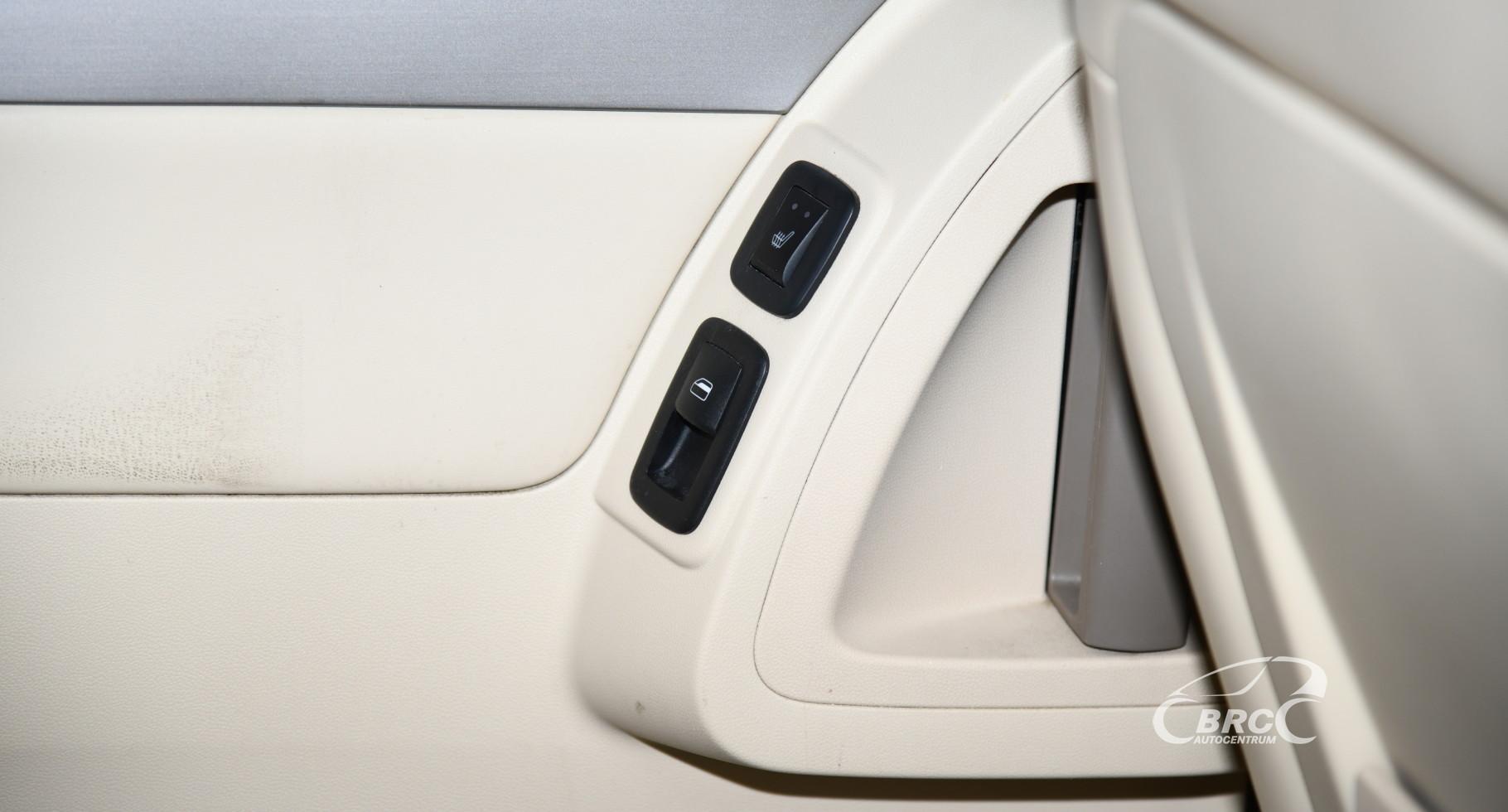 Volkswagen Routan SEL Automatas