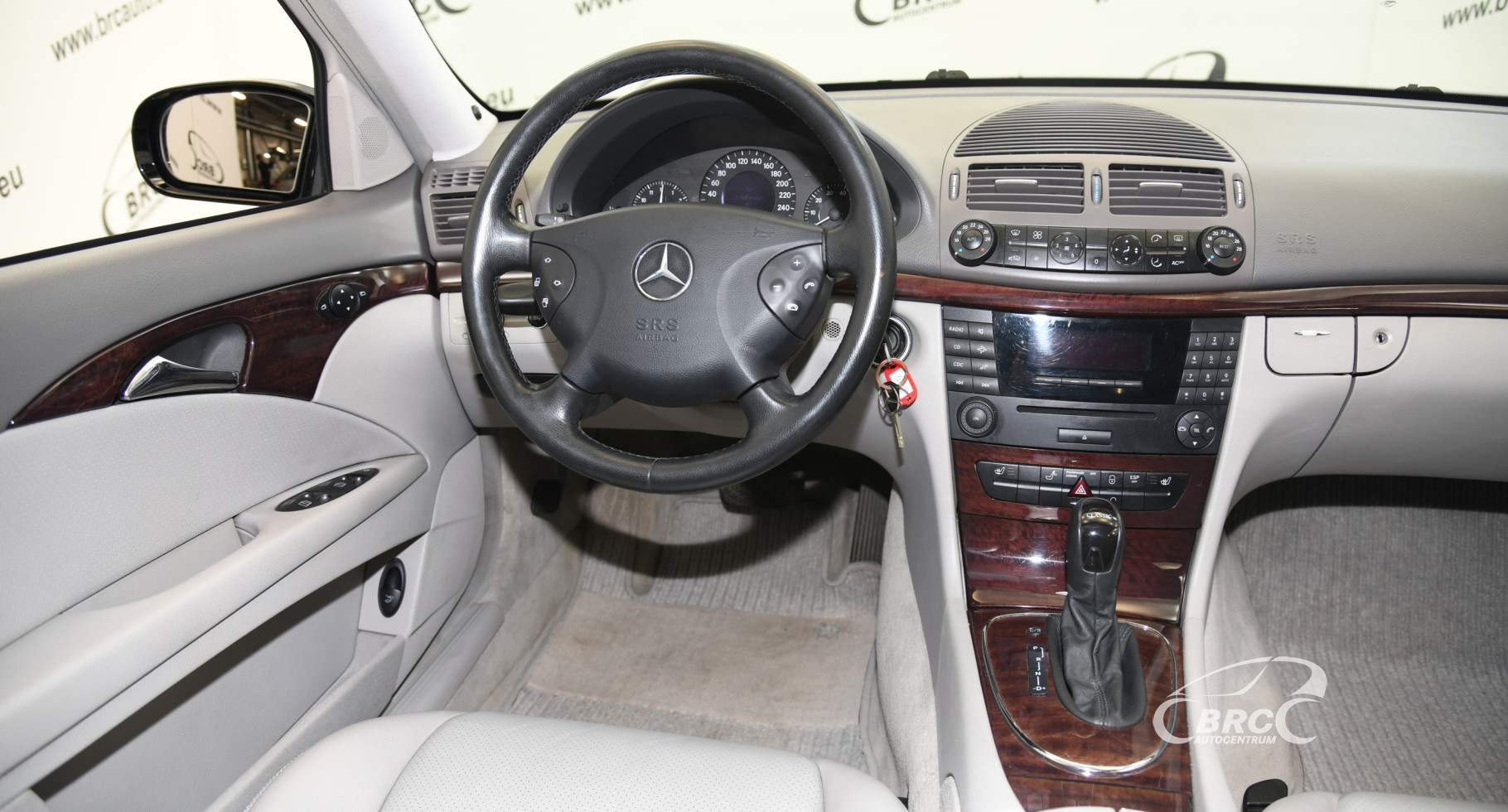 Mercedes-Benz E 320 4Matic Classic Automatas