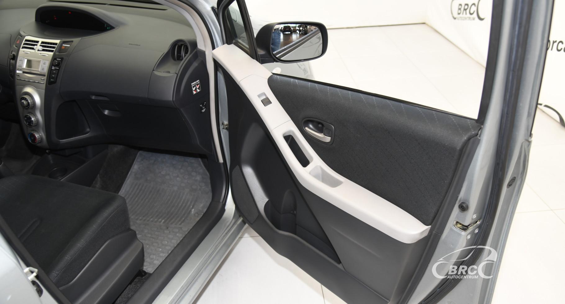 Toyota Yaris 1.3 VVT-i Superior
