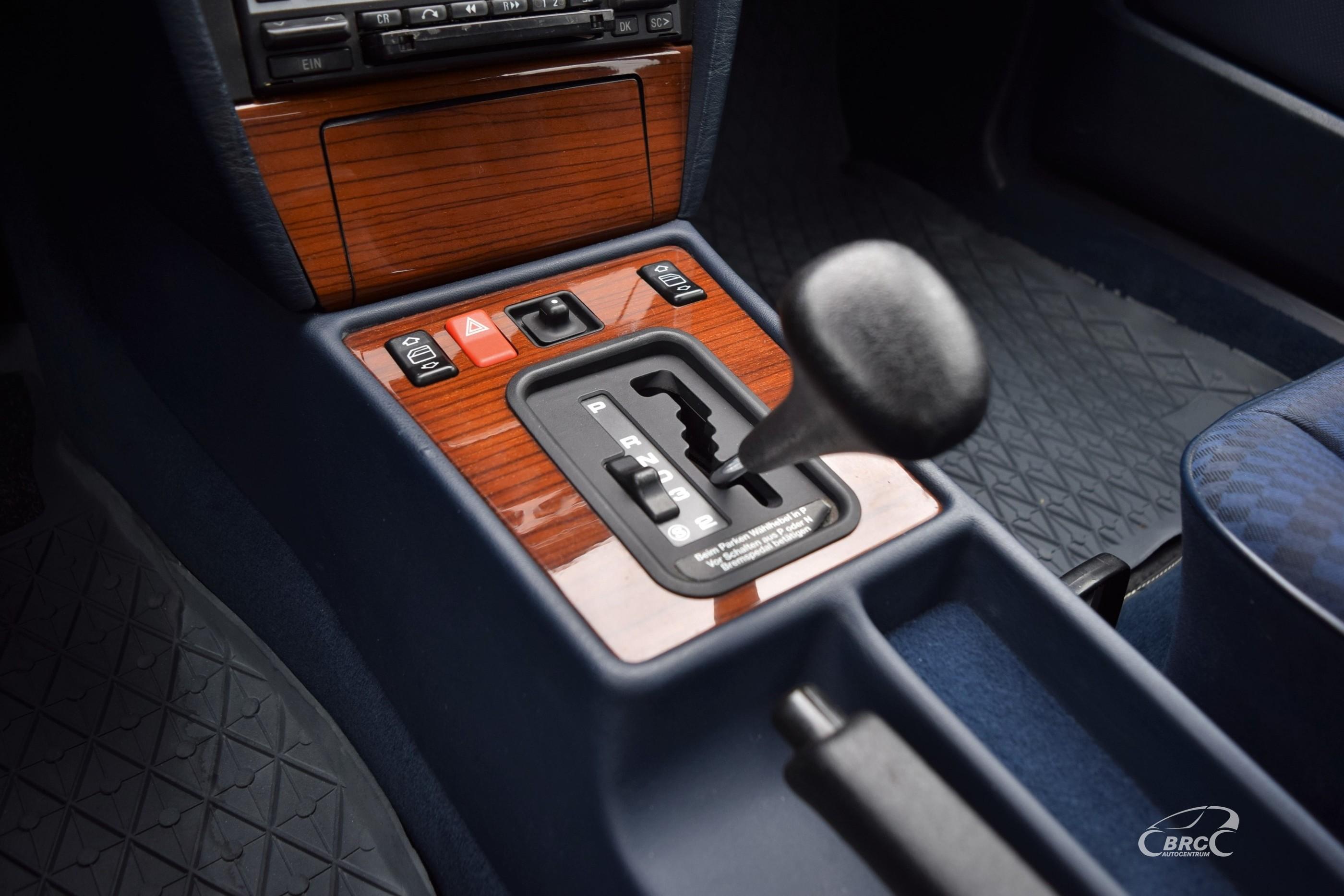 Mercedes-Benz 190 A/T