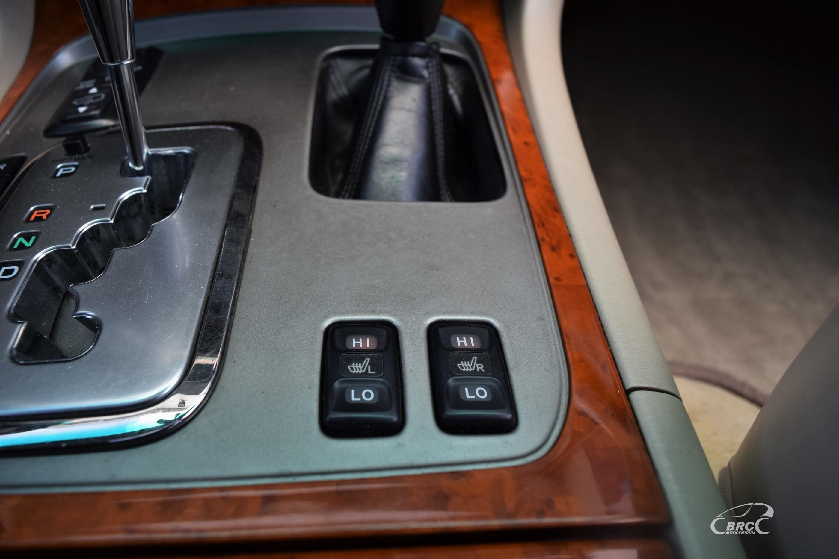 Toyota Land Cruiser J100 4.2D