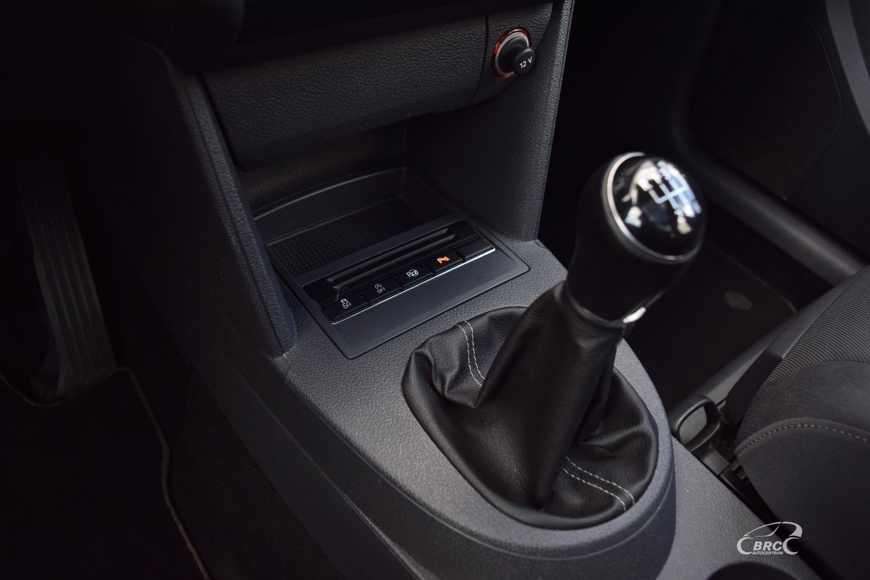 Volkswagen Touran Life TDi Bluemotion M/T