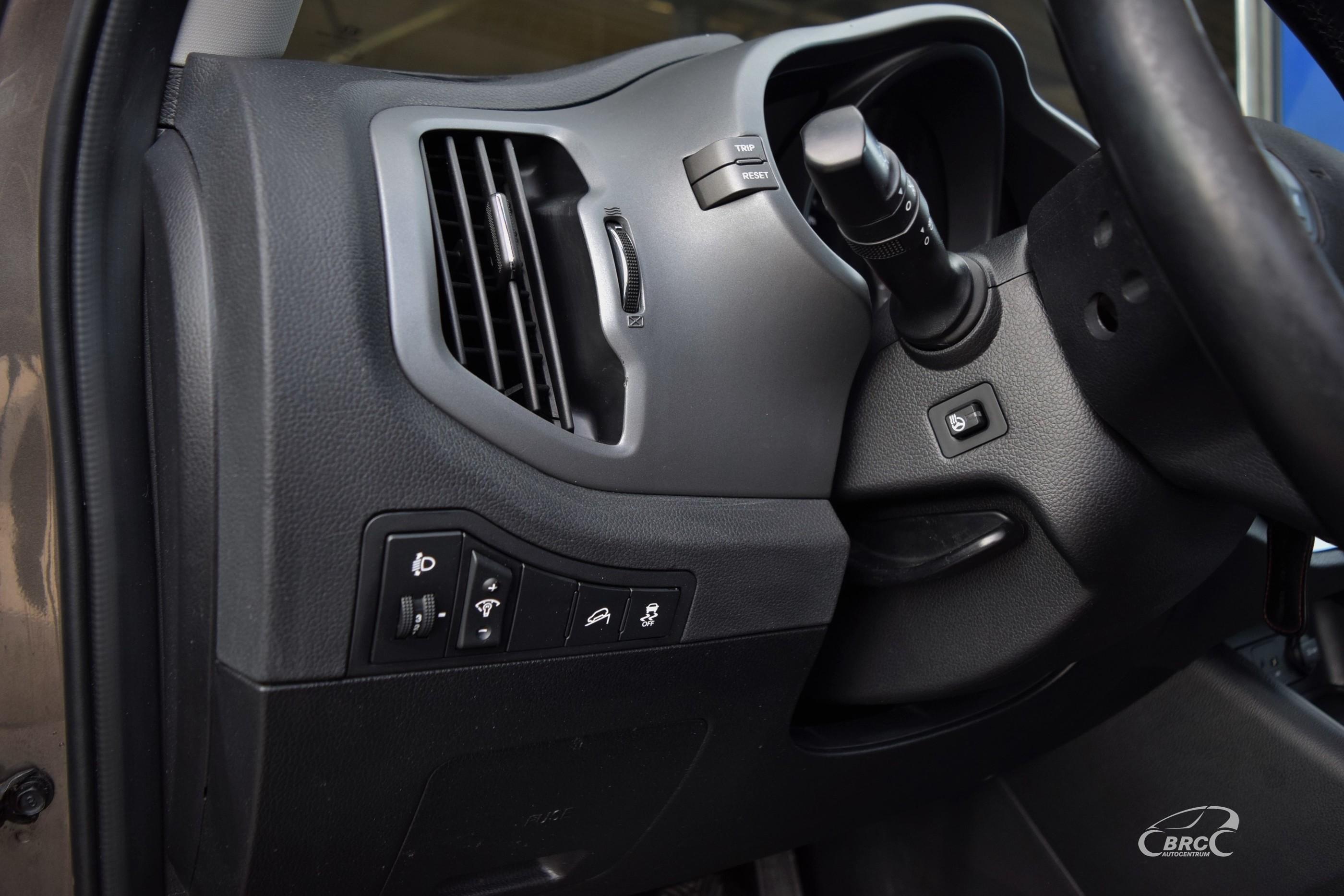 Kia Sportage CRDi FWD M/T