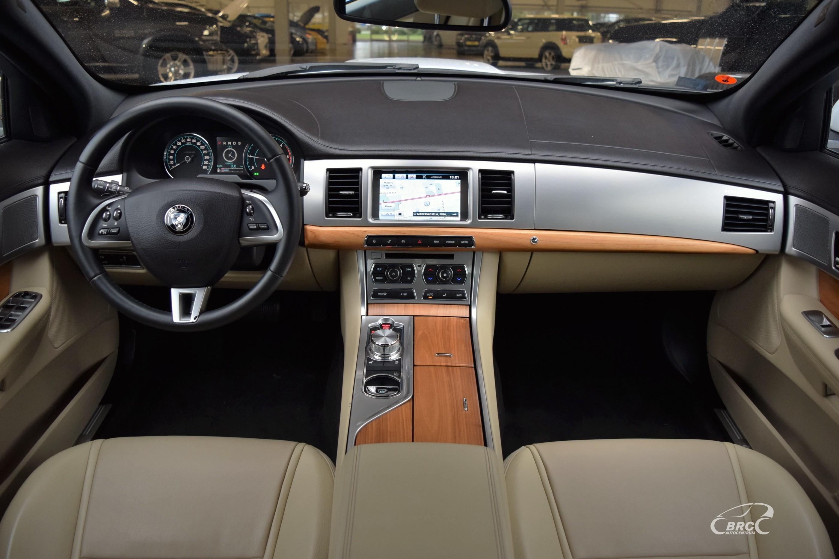 Jaguar XF A/T