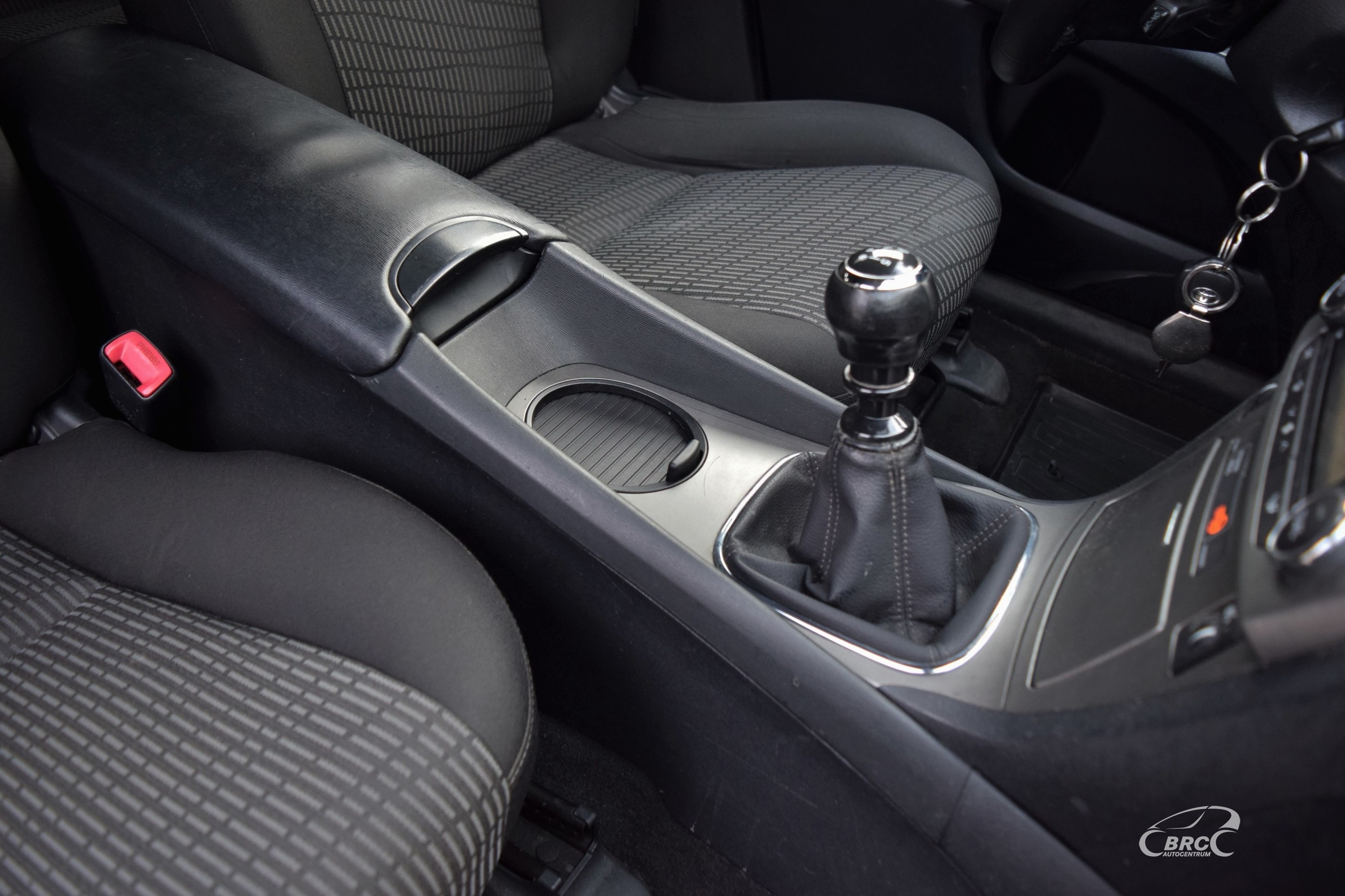Toyota Avensis M/T