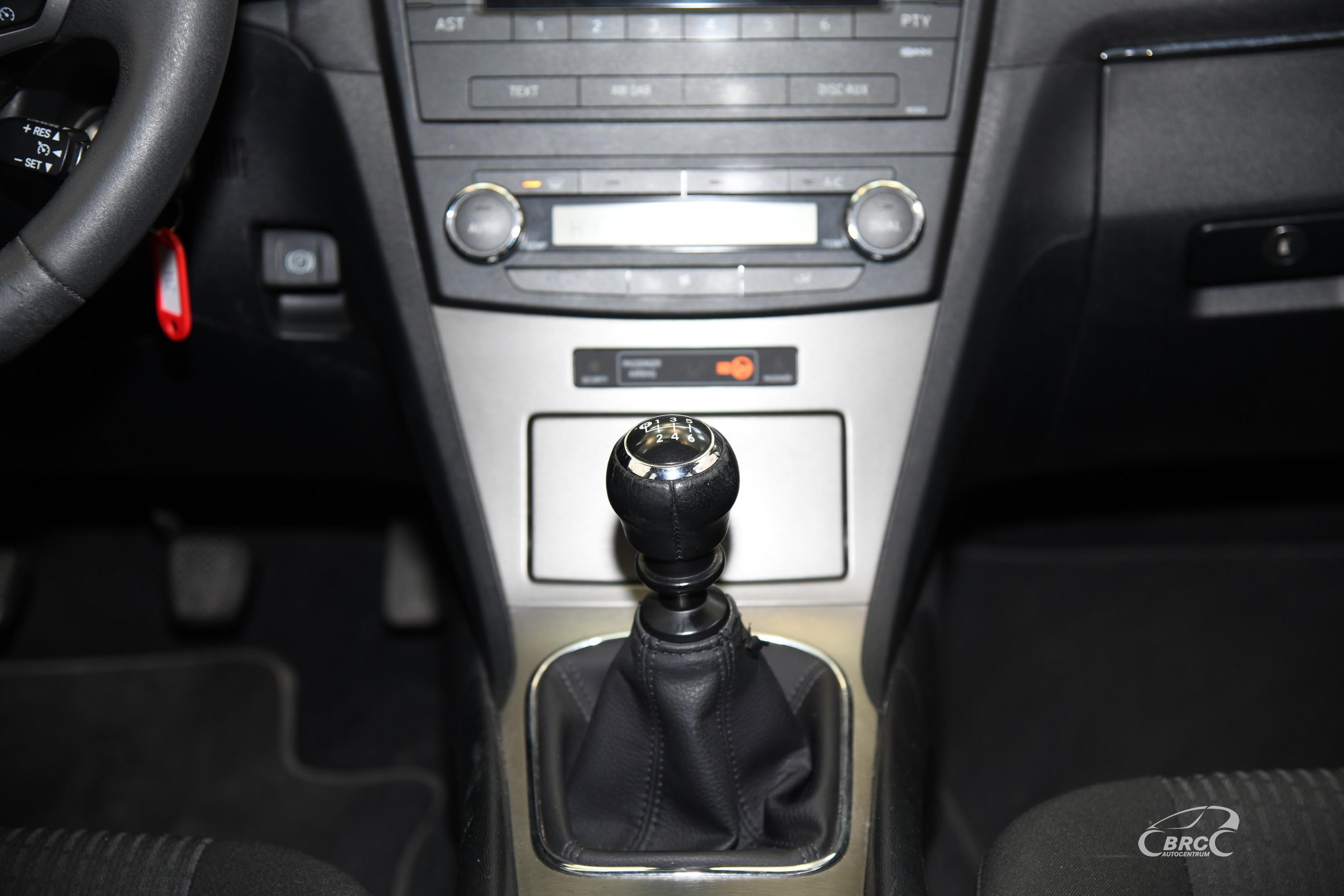 Toyota Avensis 2.0 D-4D Luna