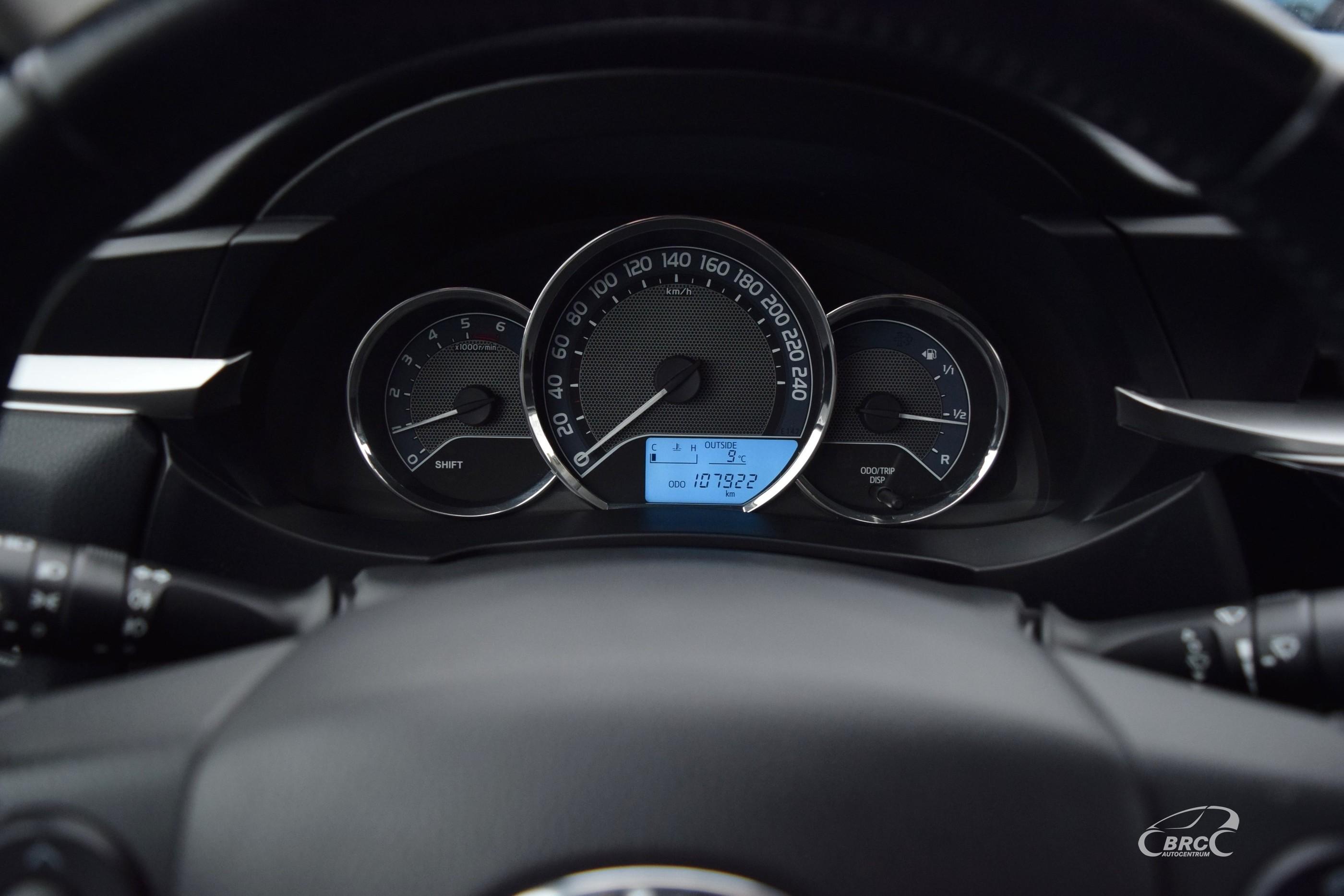 Toyota Corolla D4D Active FWD M/T