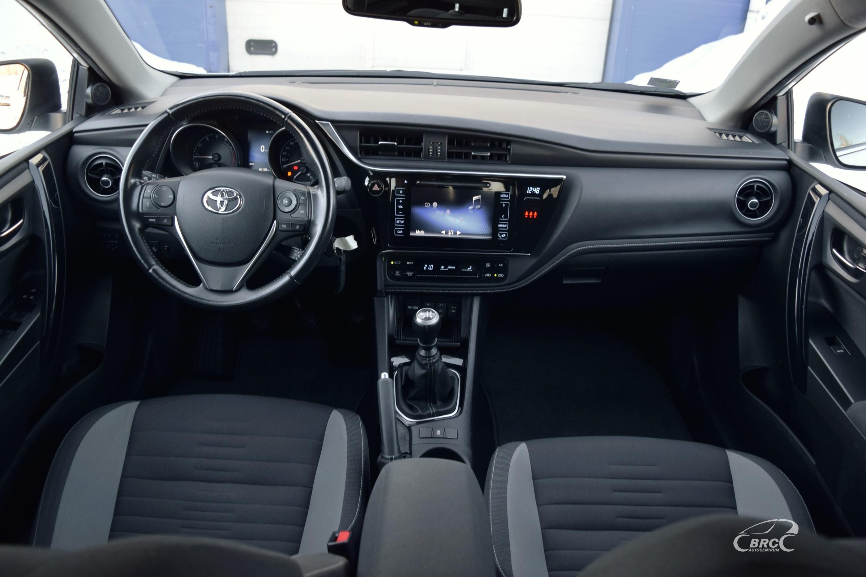 Toyota Auris Touring Sports Valvematic M/T