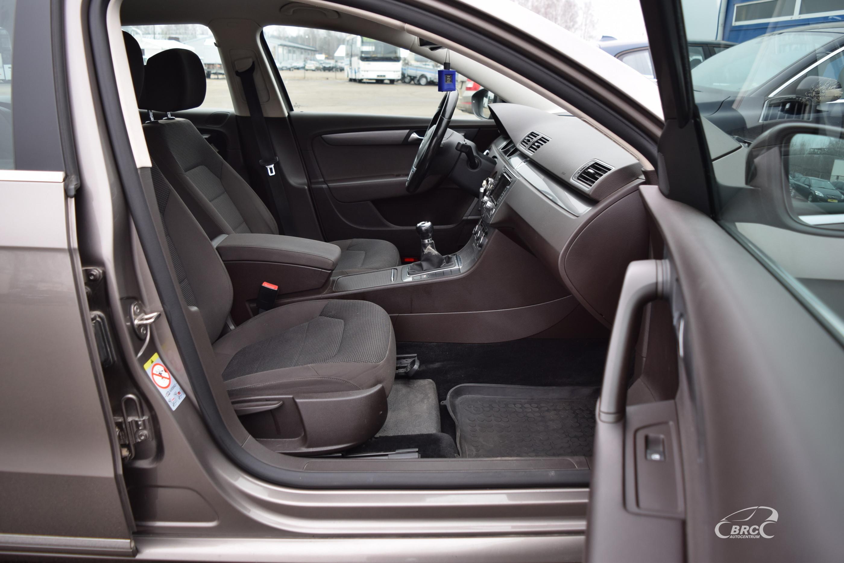 Volkswagen Passat Variant TSi M/T