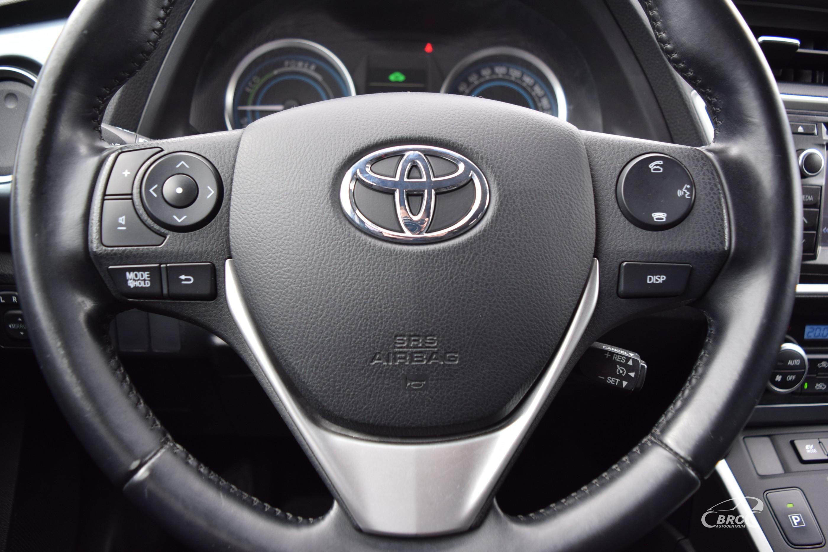 Toyota Auris Hybrid A/T