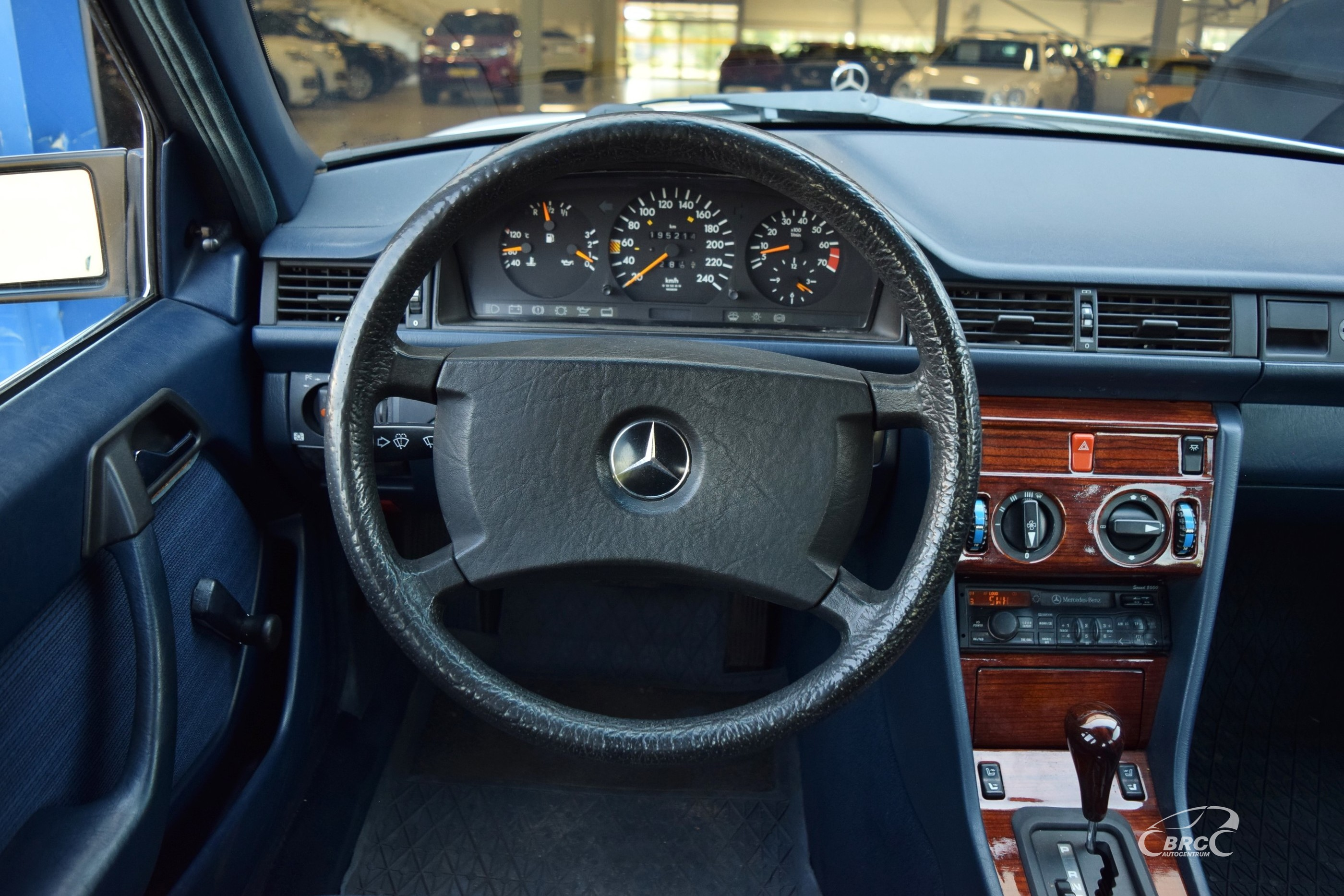 Mercedes-Benz E 260 A/T