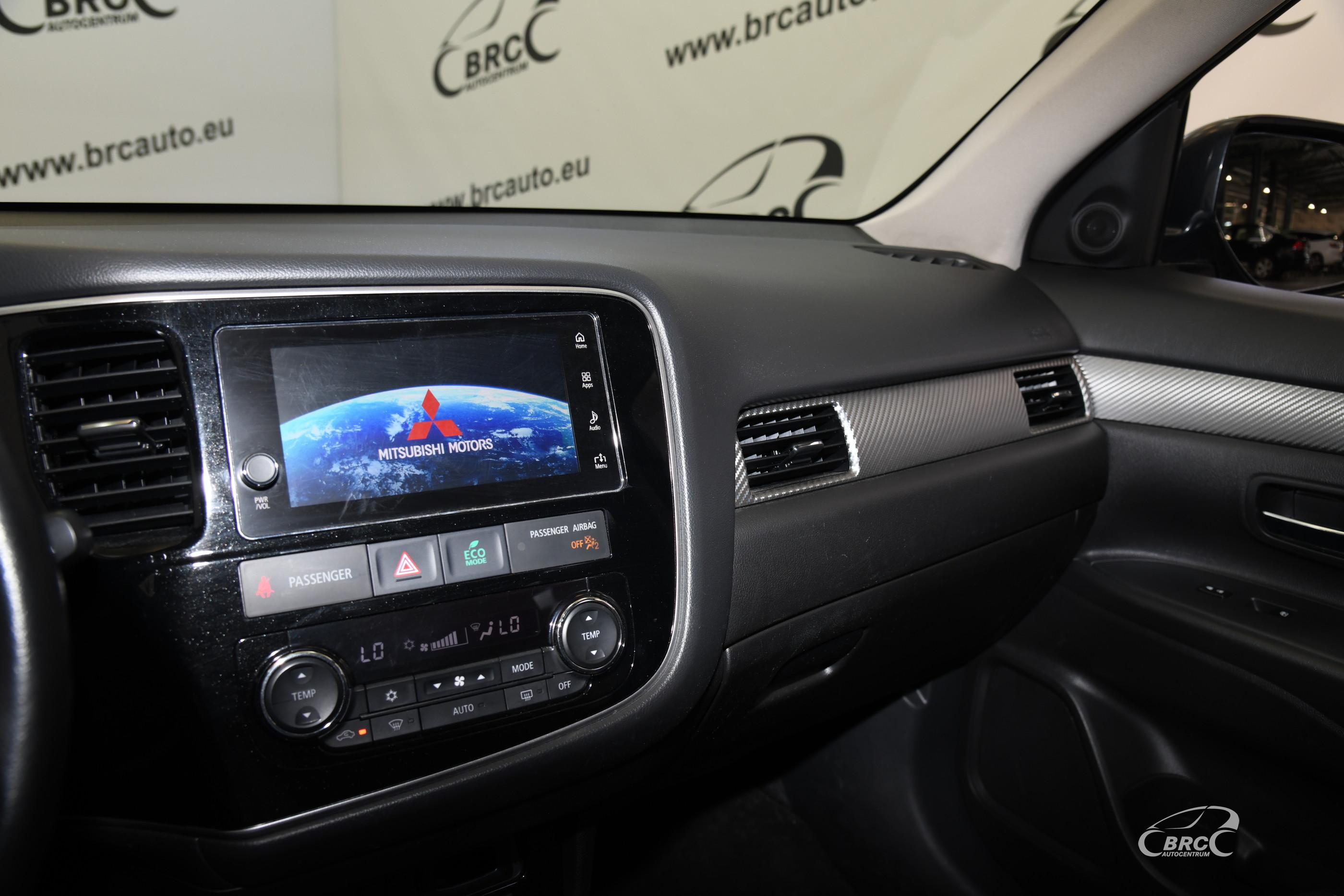 Mitsubishi Outlander 2.4 SE 2WD Automatas